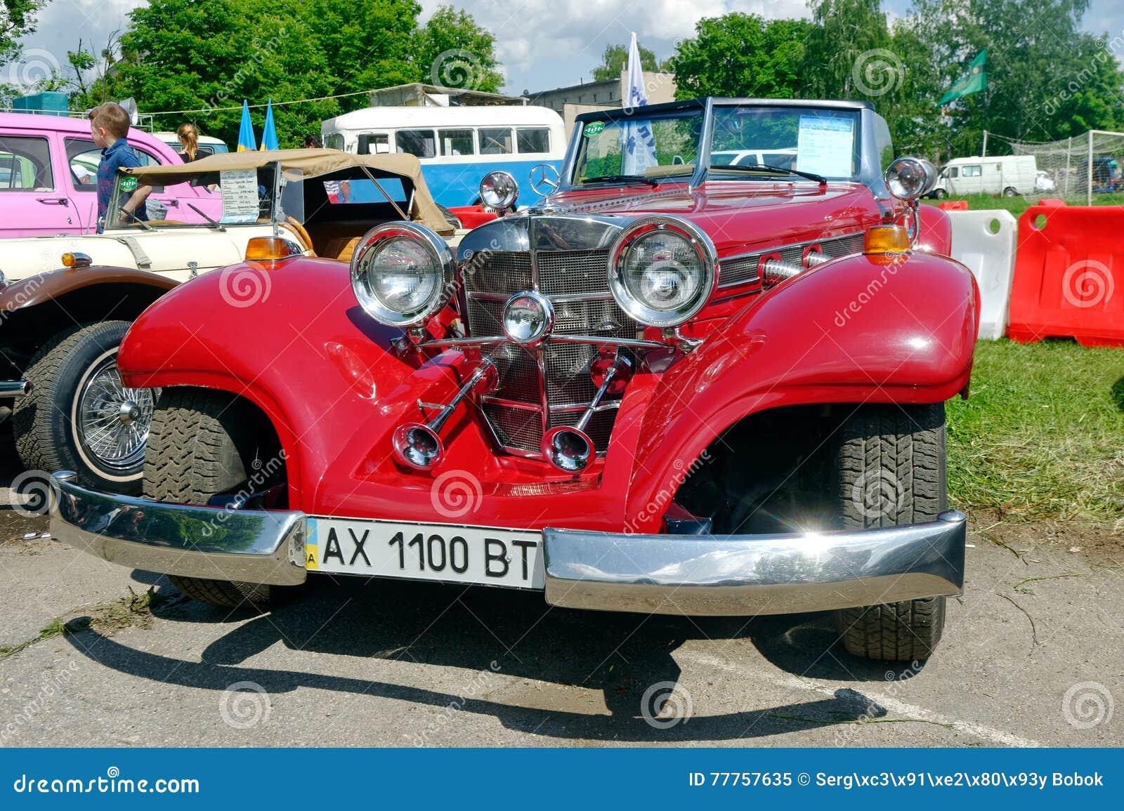 Imagen común automotriz del vintage de Mercedes-Benz Cabriolet