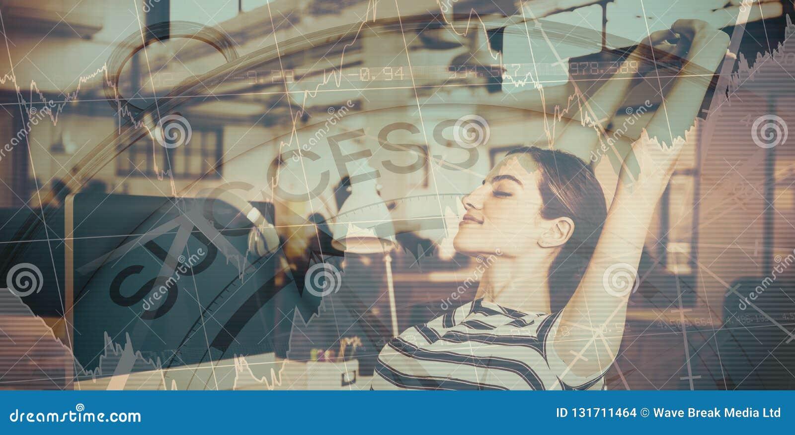 Imagen compuesta del texto del éxito con los gráficos y el compás navegacional
