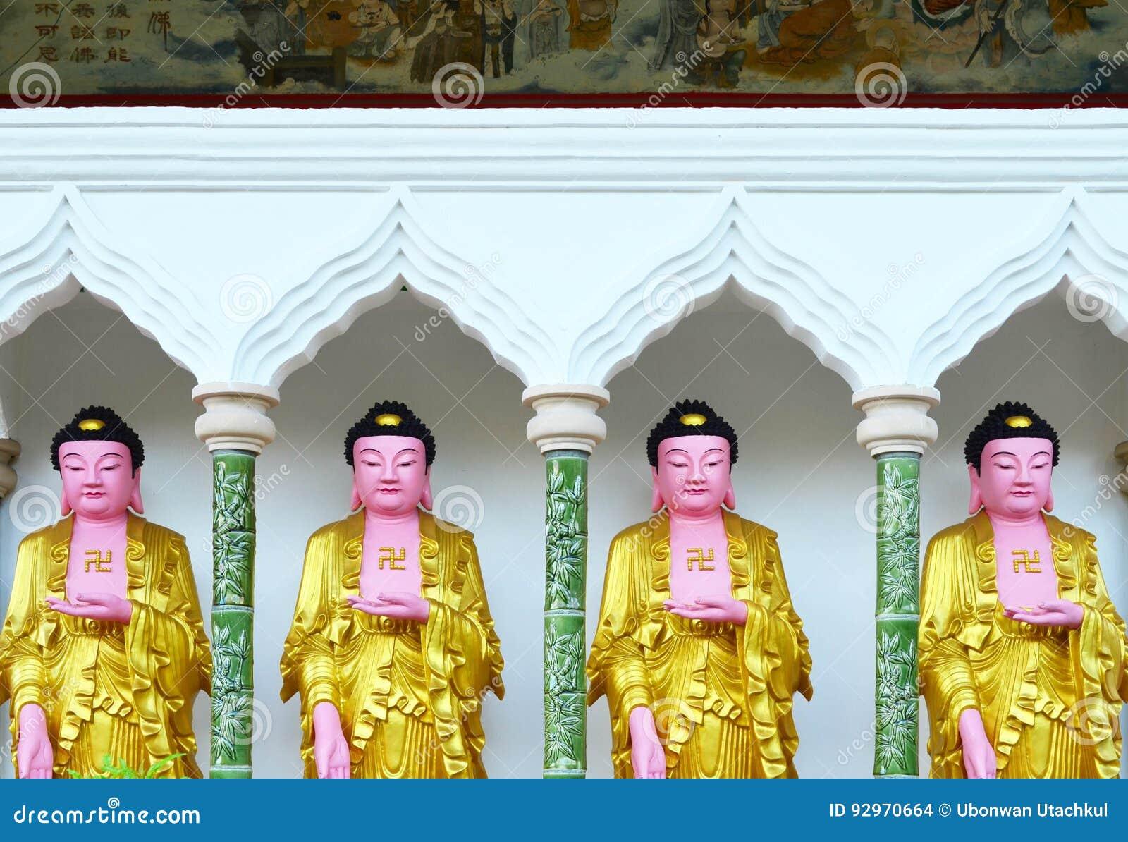 Imagen de Buda del chino en el templo de Kek Lok Si, Penang, Malasia
