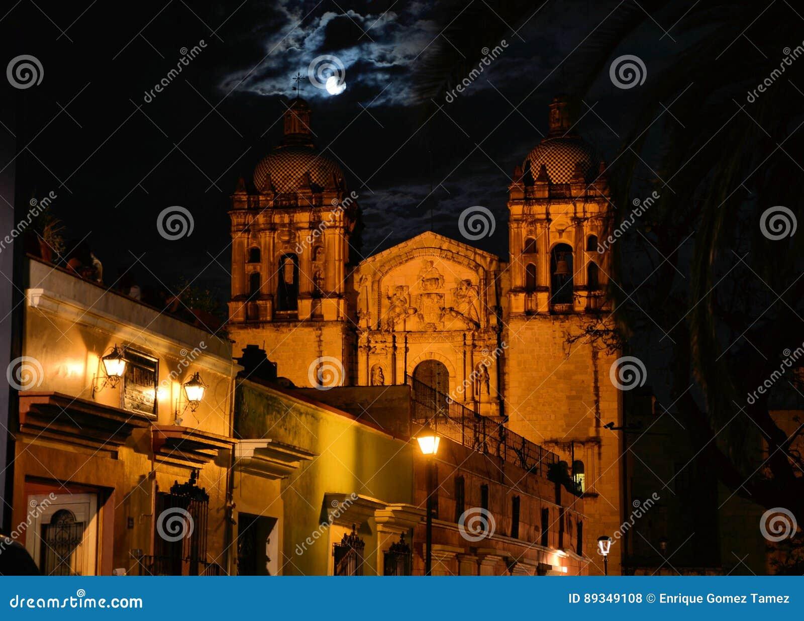Imagen de la noche de Santo Domingo Church Oaxaca
