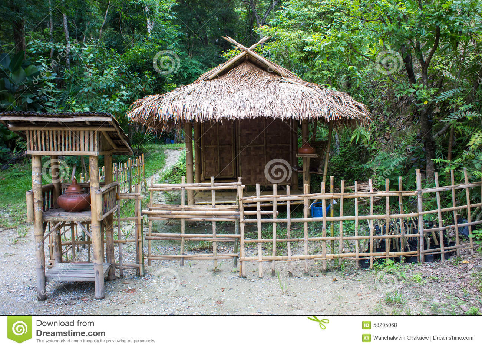Imagen de una caba a r stica de madera de la playa foto de - Cabanas en la playa ...