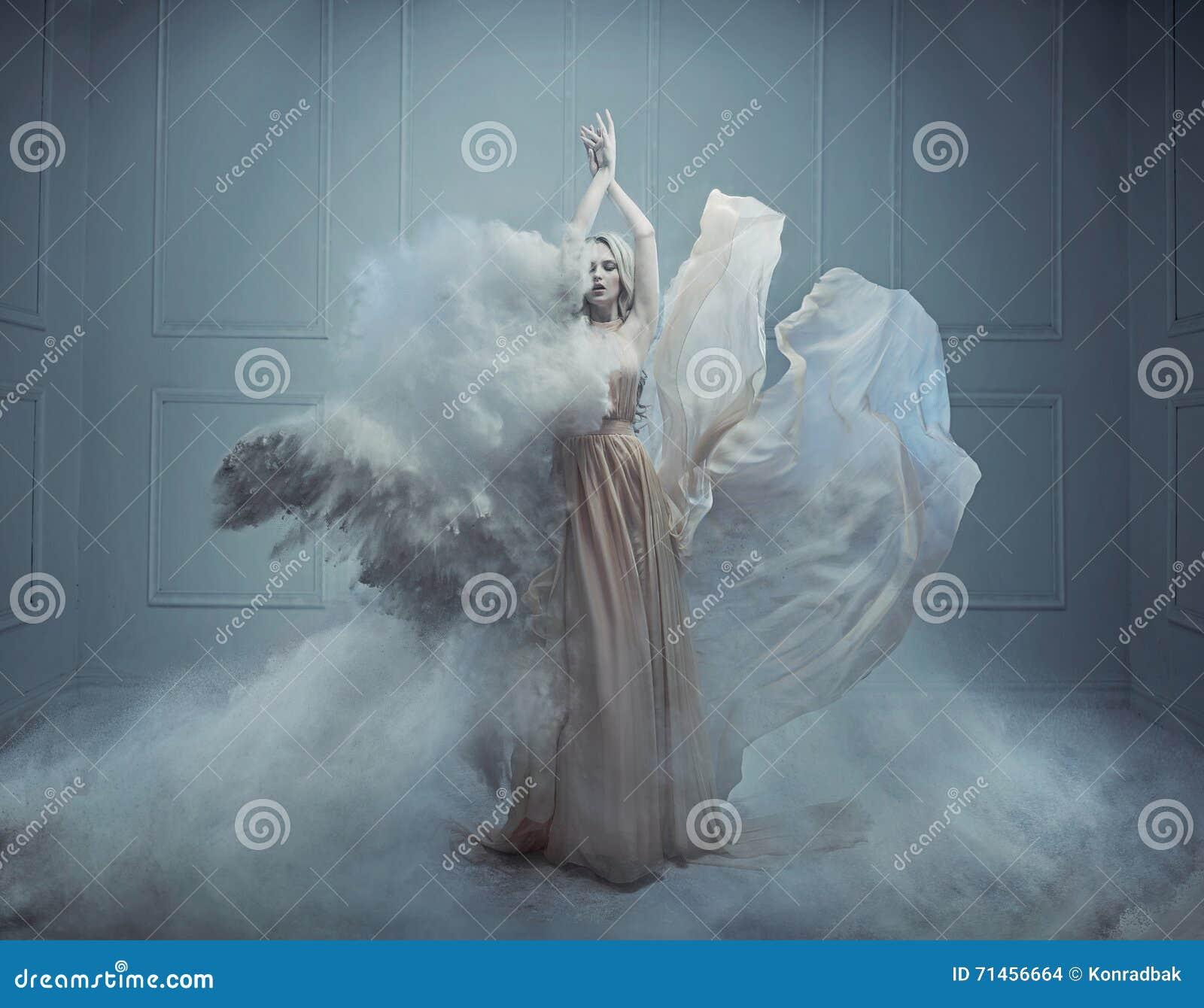 Imagen del estilo de la moda de la fantasía de una belleza rubia imponente