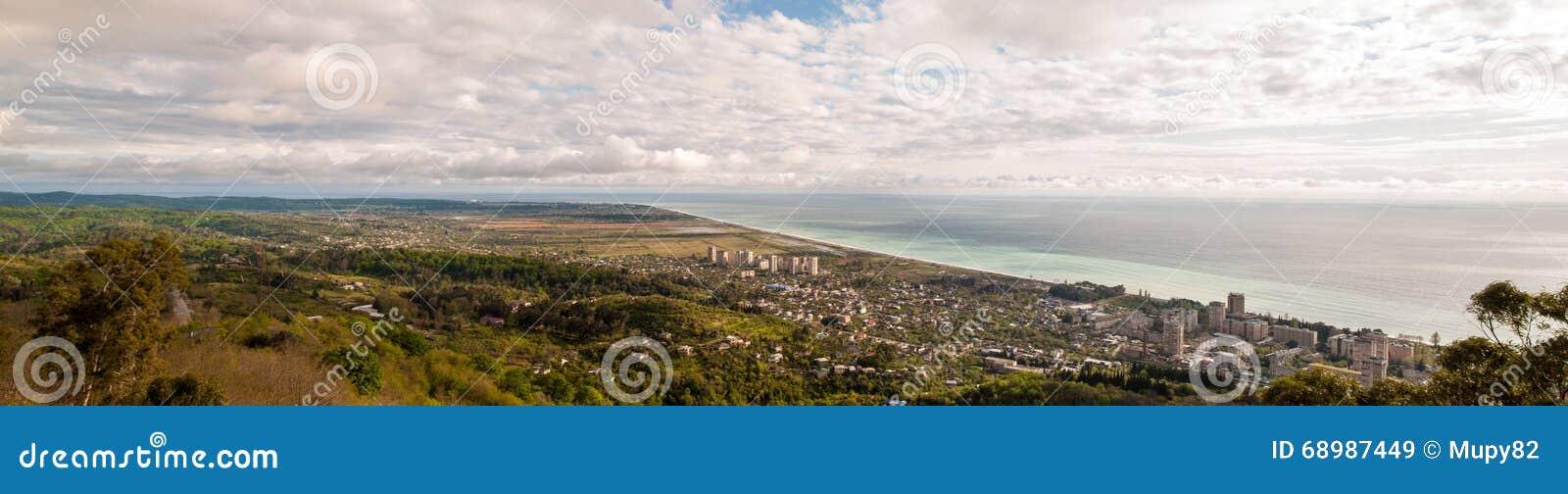 Imagen panorámica de la ciudad de Gagra, Abjasia