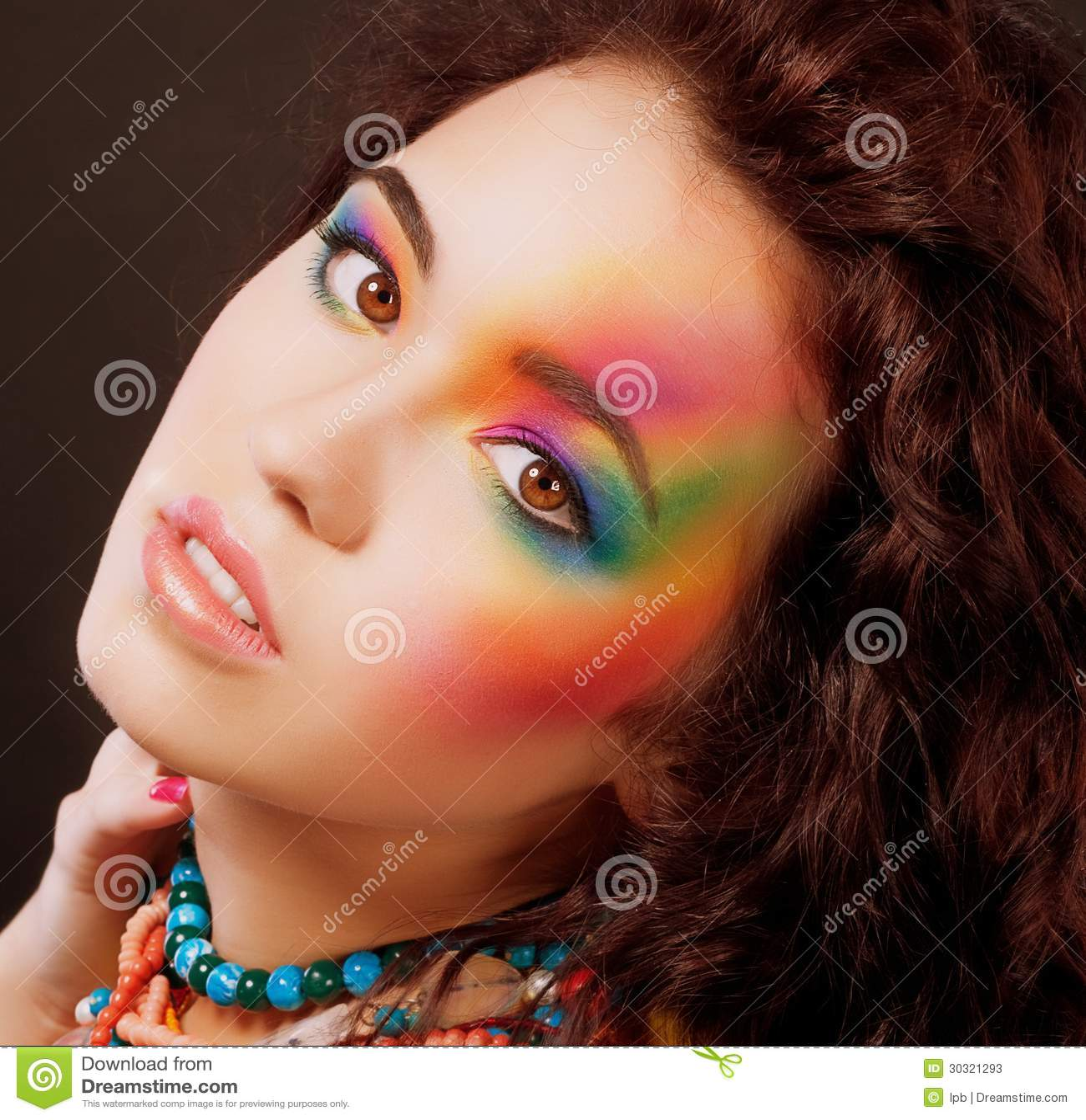 imagination le visage de la femme multicolore maquillage color vibrant darc - Colori Maquillage