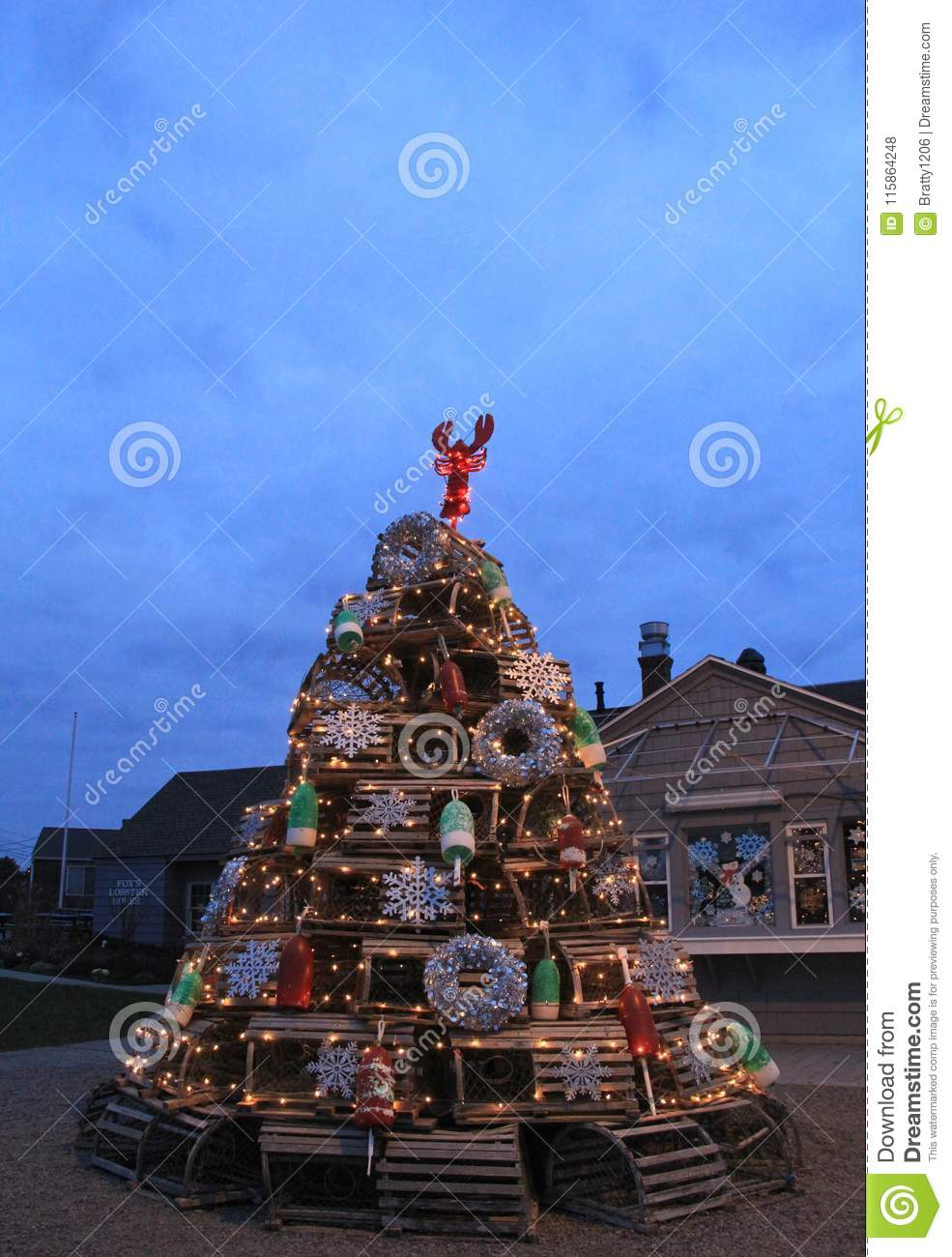 Imaginative Christmas Tree Made From Lobster Traps And Beach Themed ...