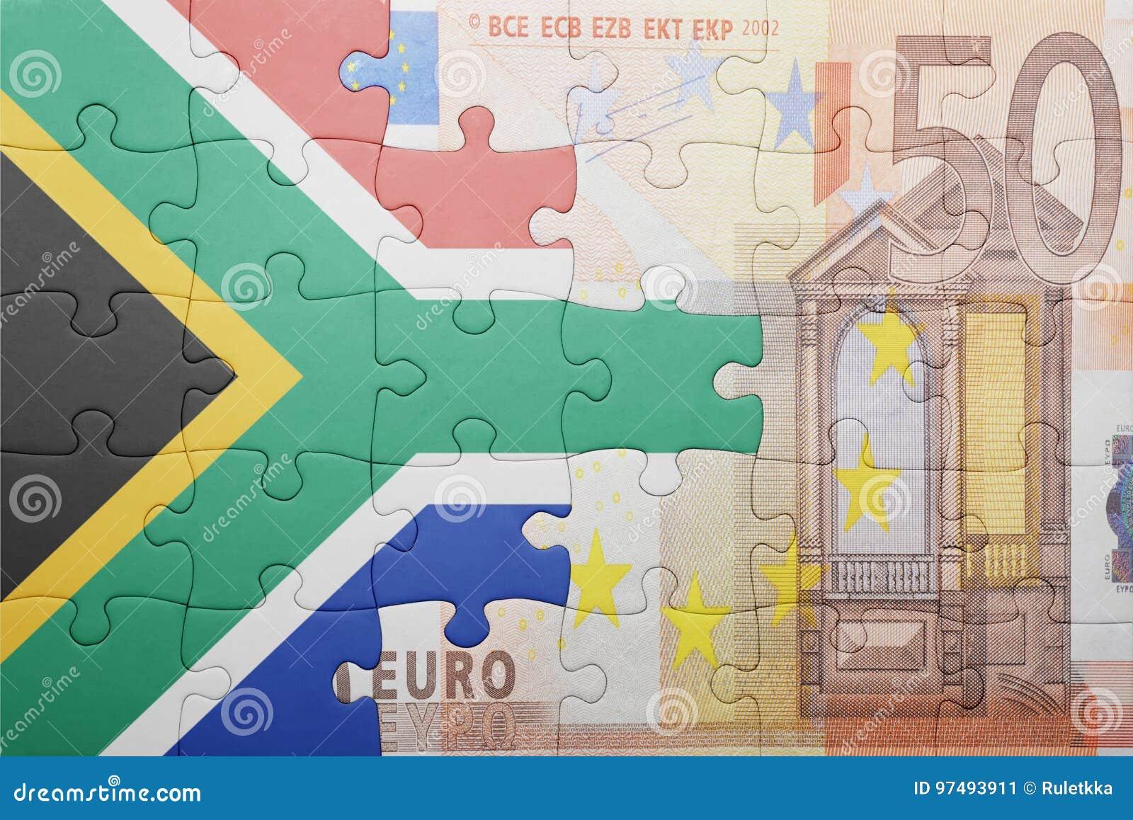 Imbarazzi con la bandiera nazionale della Sudafrica e di euro banconota