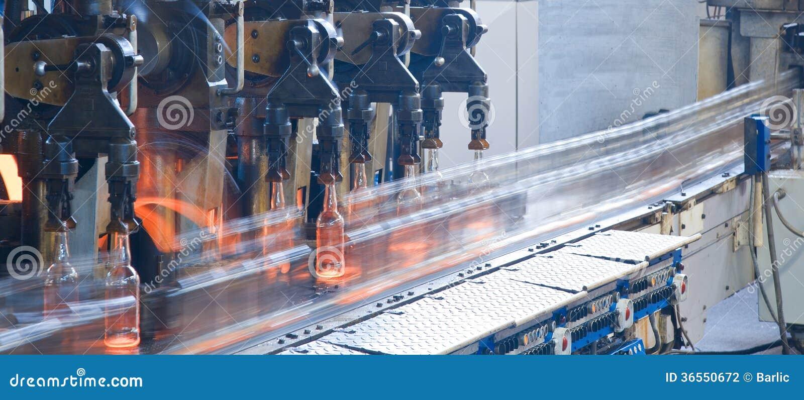 Imbottigli la fabbrica, processo di fabbricazione delle bottiglie di vetro