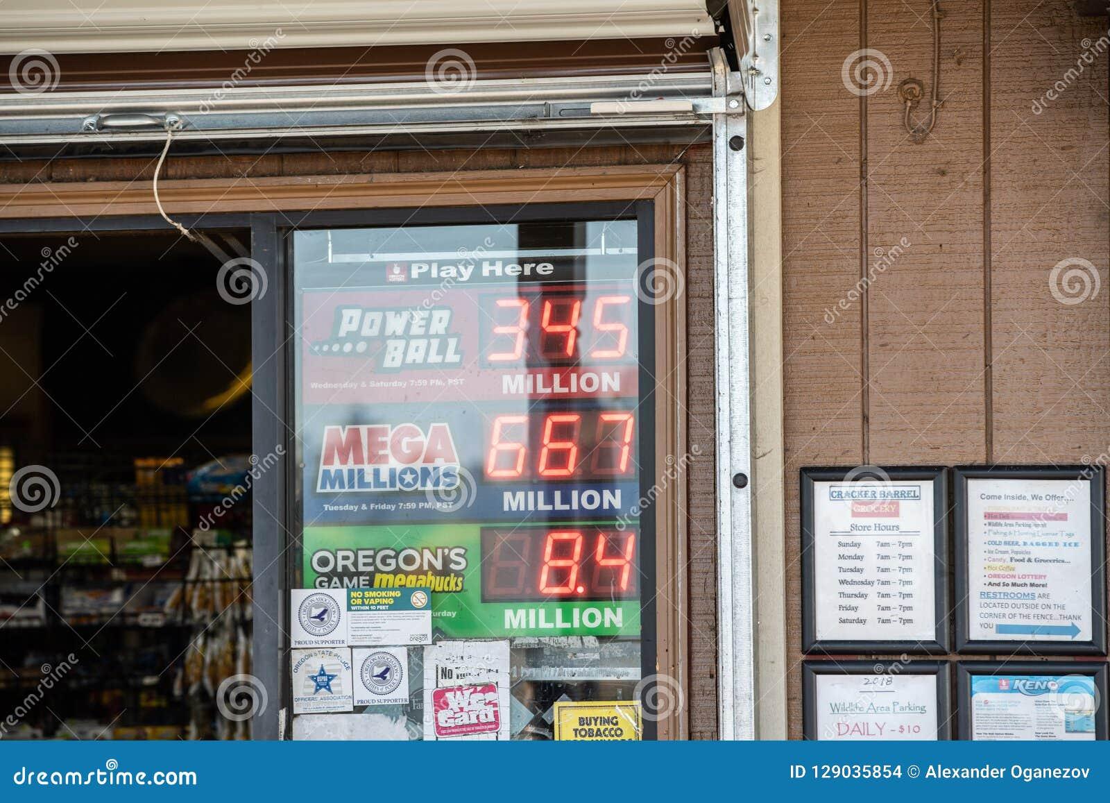 Immagazzini i segni che mostrano le poste del gioco di lotteria