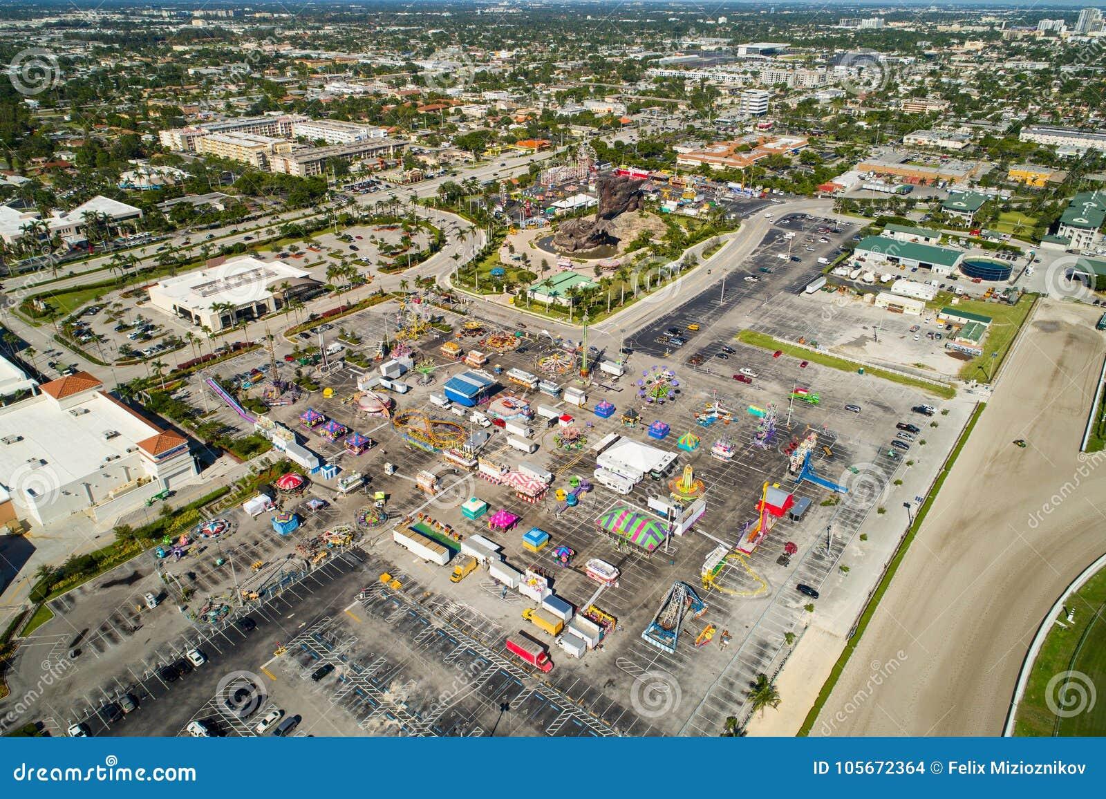 Immagine aerea della contea di Broward giusta a Gulfstream Park