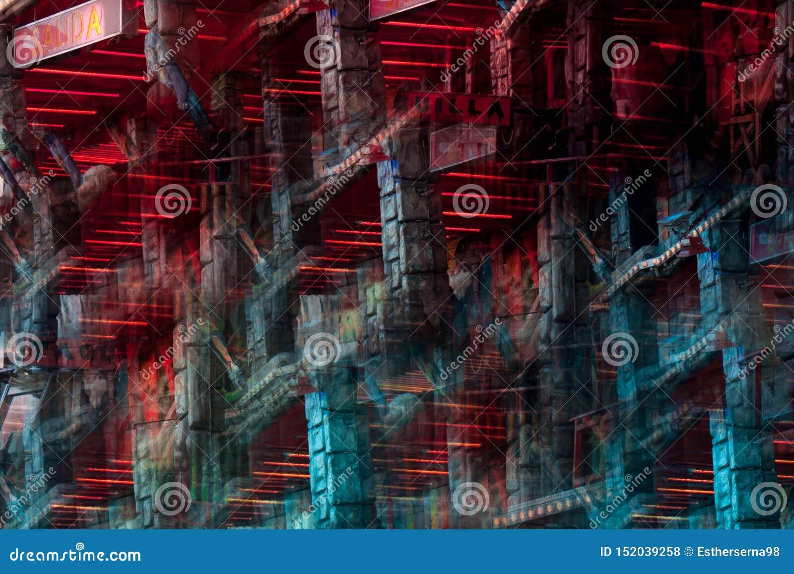 Immagine astratta di un attrazione della zona fieristica