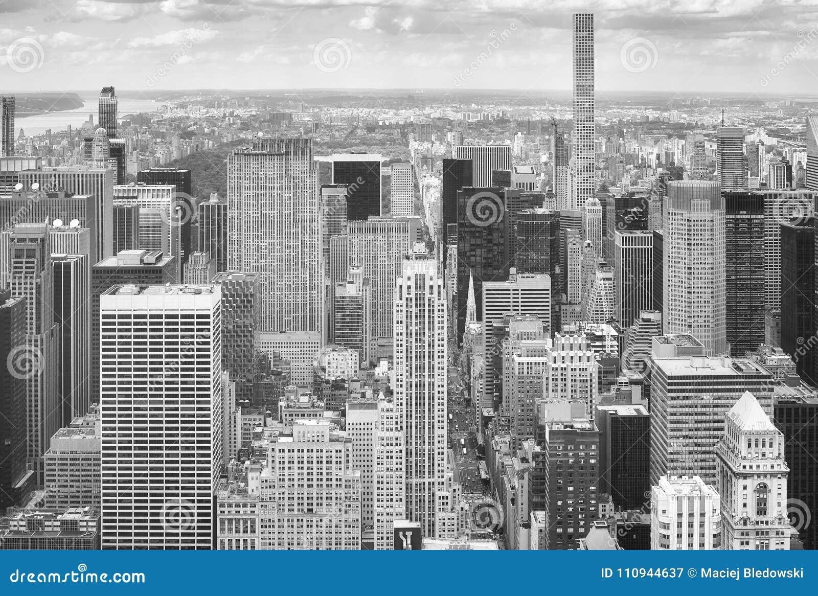 Immagine In Bianco E Nero Dell\'orizzonte Di New York, U.S.A. ...