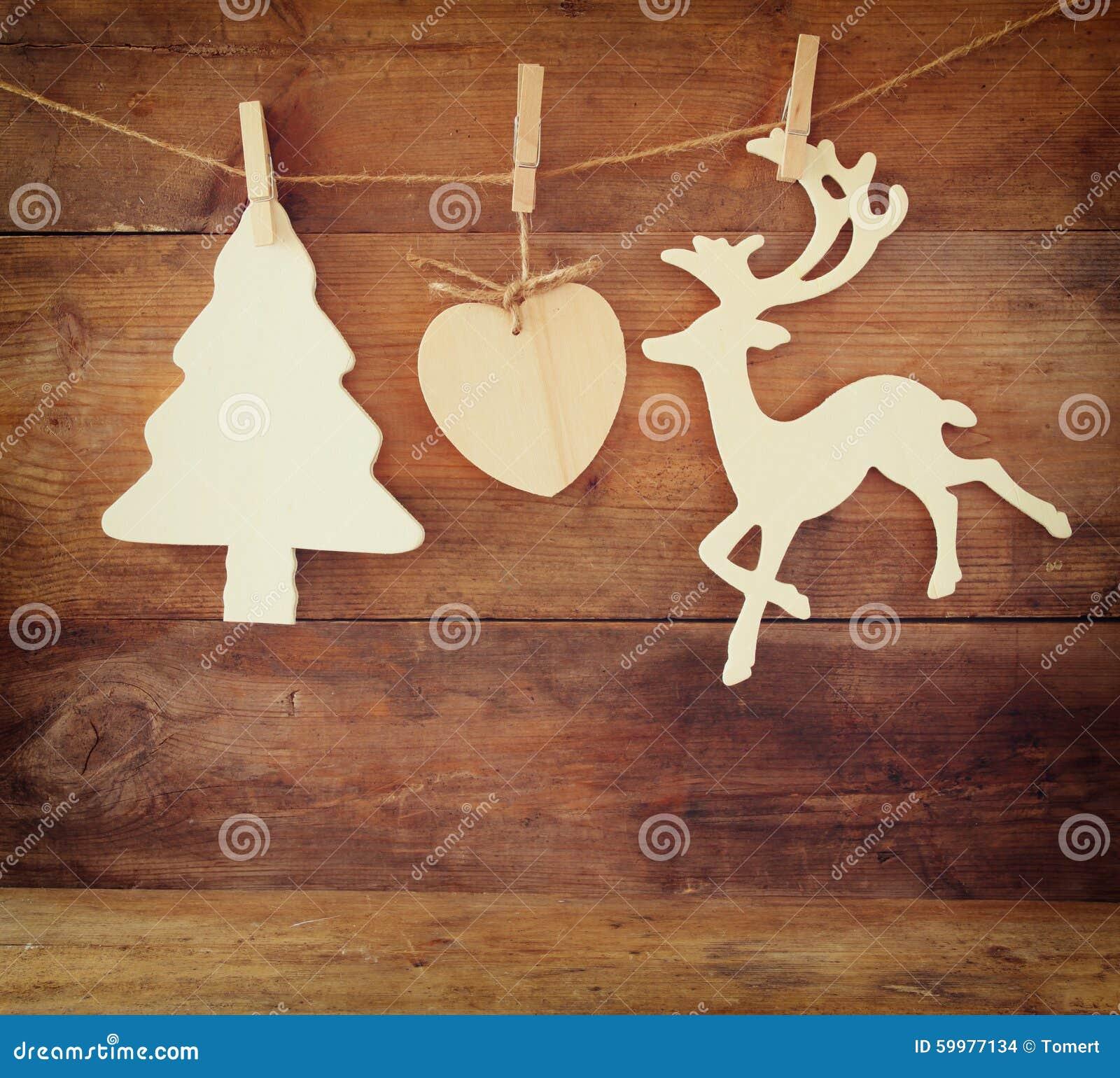 Immagine dell 39 albero di natale di legno e della renna for Albero di natale di legno