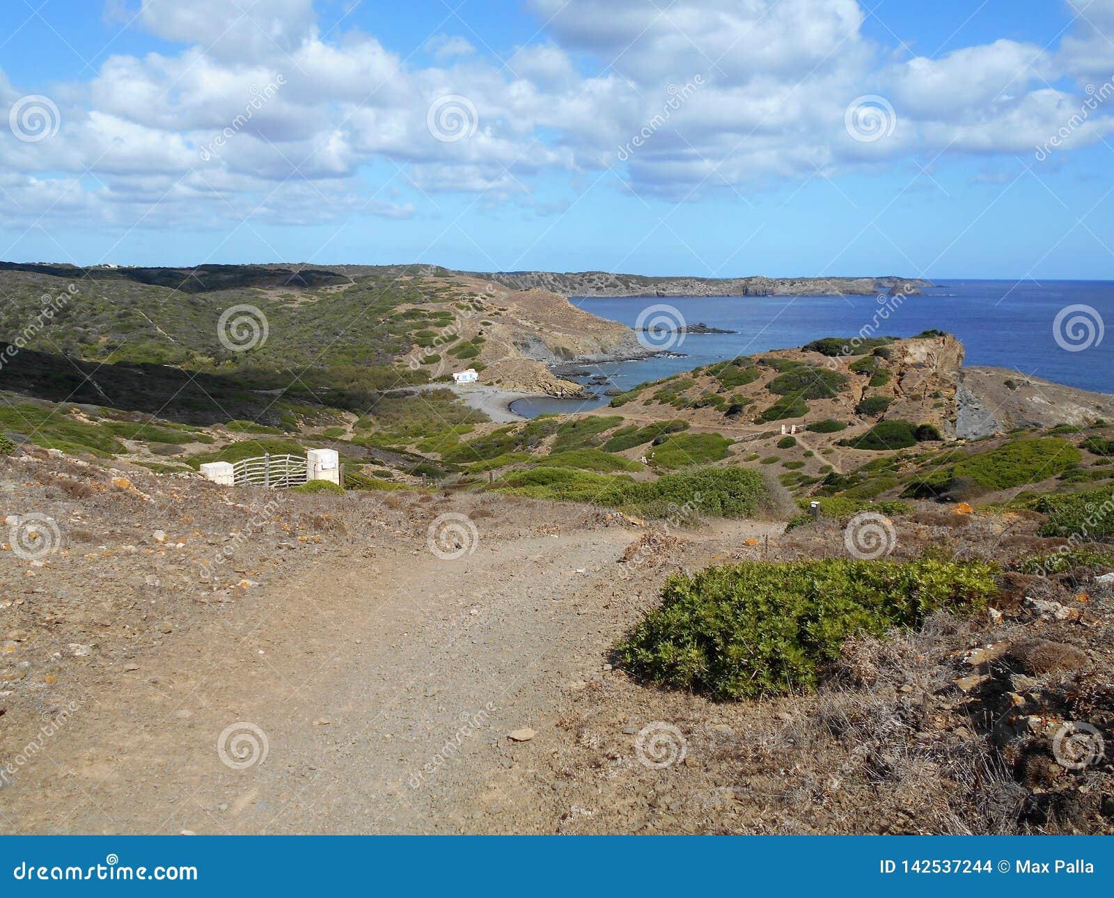 Immagine della costa dell isola di Baeutiful Menorca in Spagna Un paradiso naturale