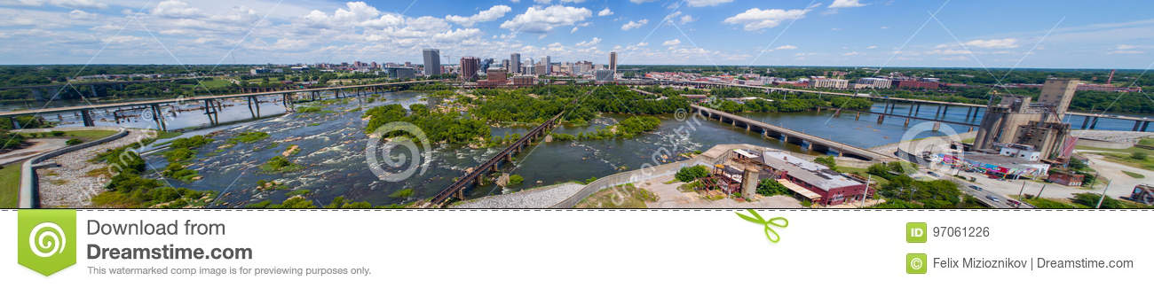 Immagine panoramica aerea Richmond Virginia e James Rive del centro