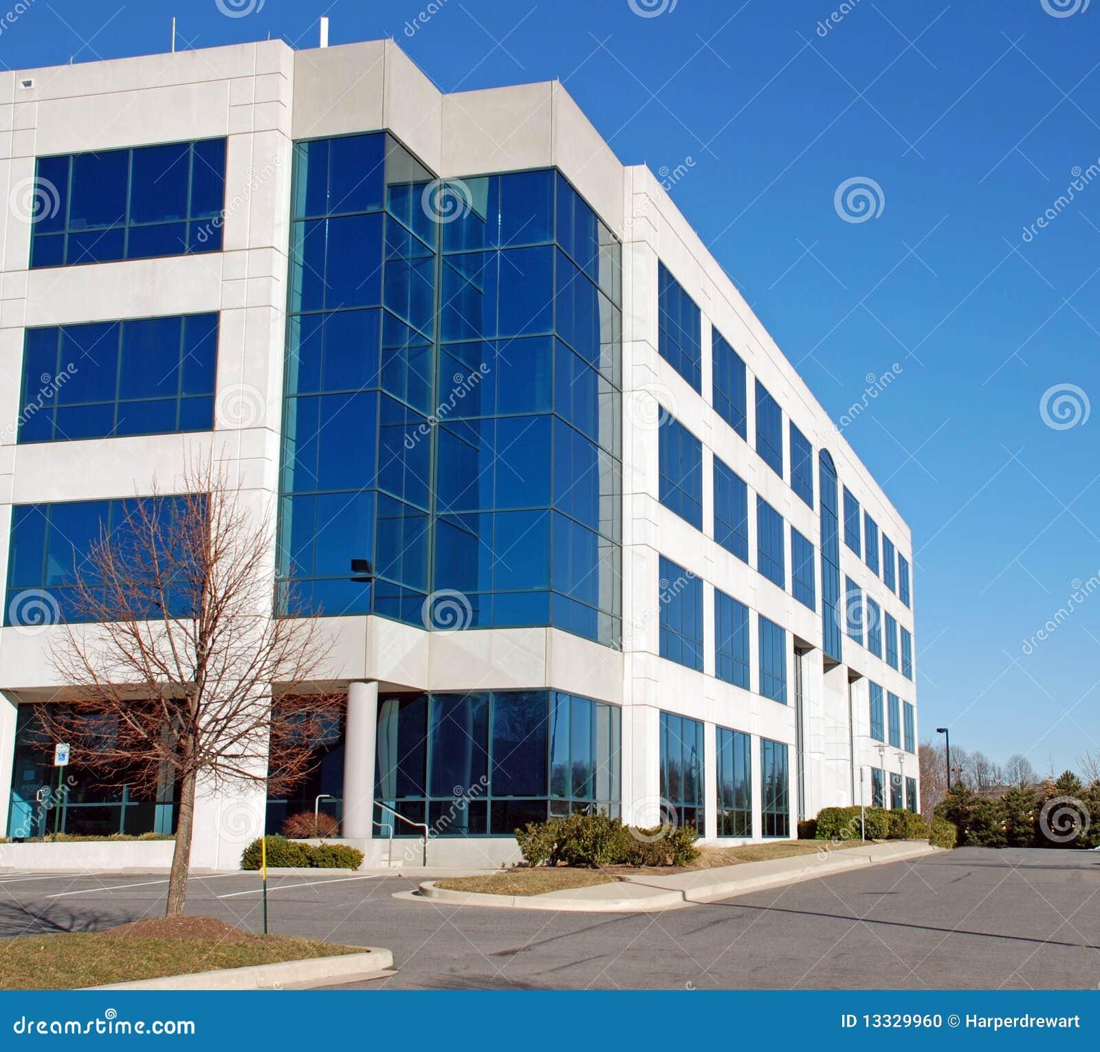 Immeuble de bureaux moderne 11