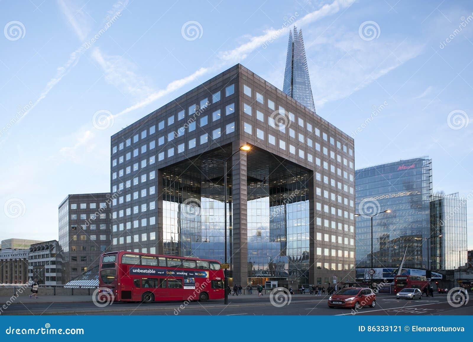 Immeuble de bureaux moderne par se londres gigaoctet u de