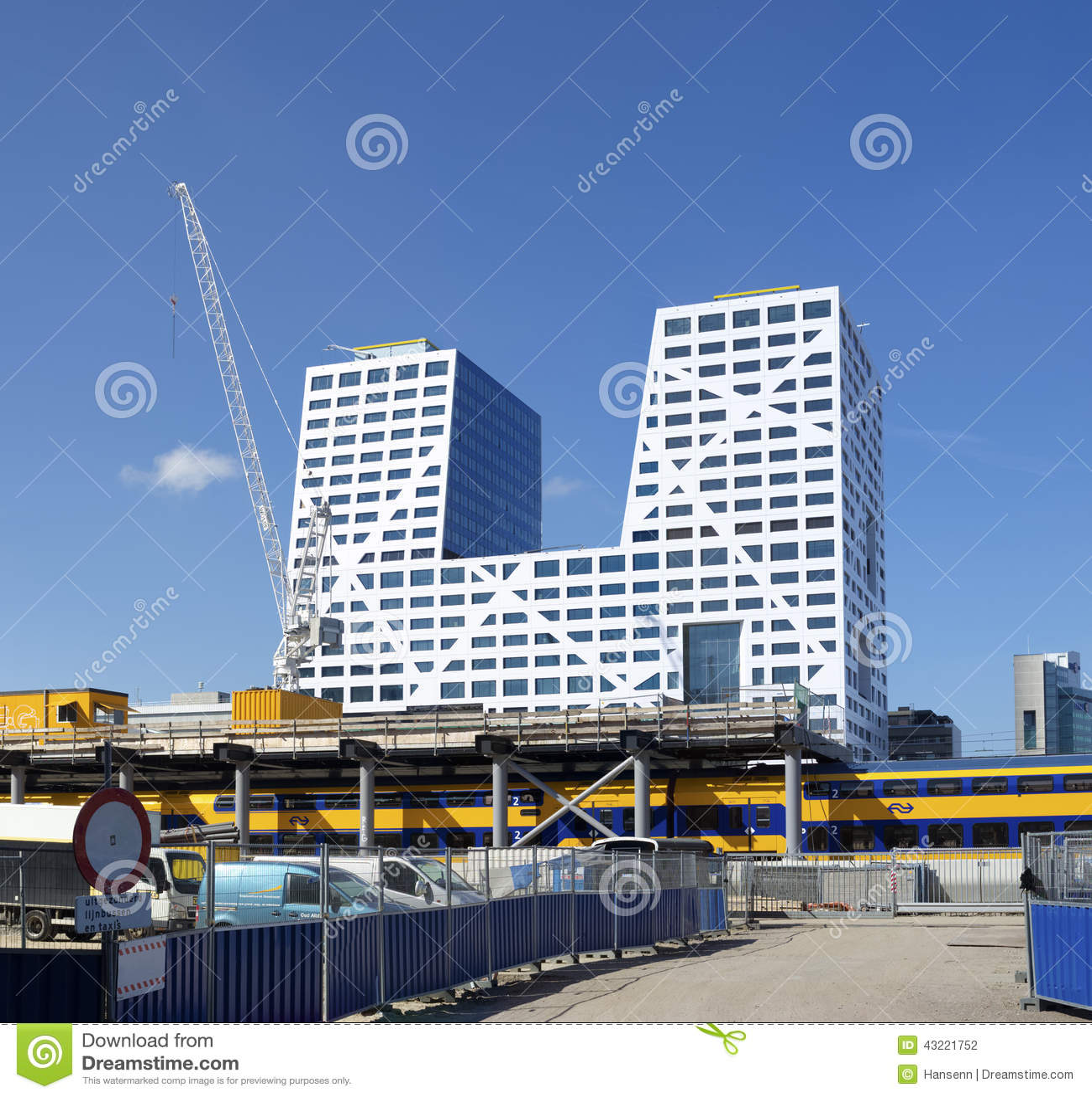 Immeuble de bureaux municipaux en Hollandes