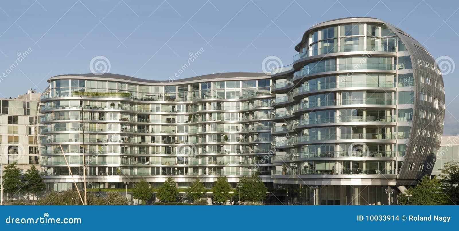 Immeuble moderne images stock image 10033914 for Image immeuble moderne