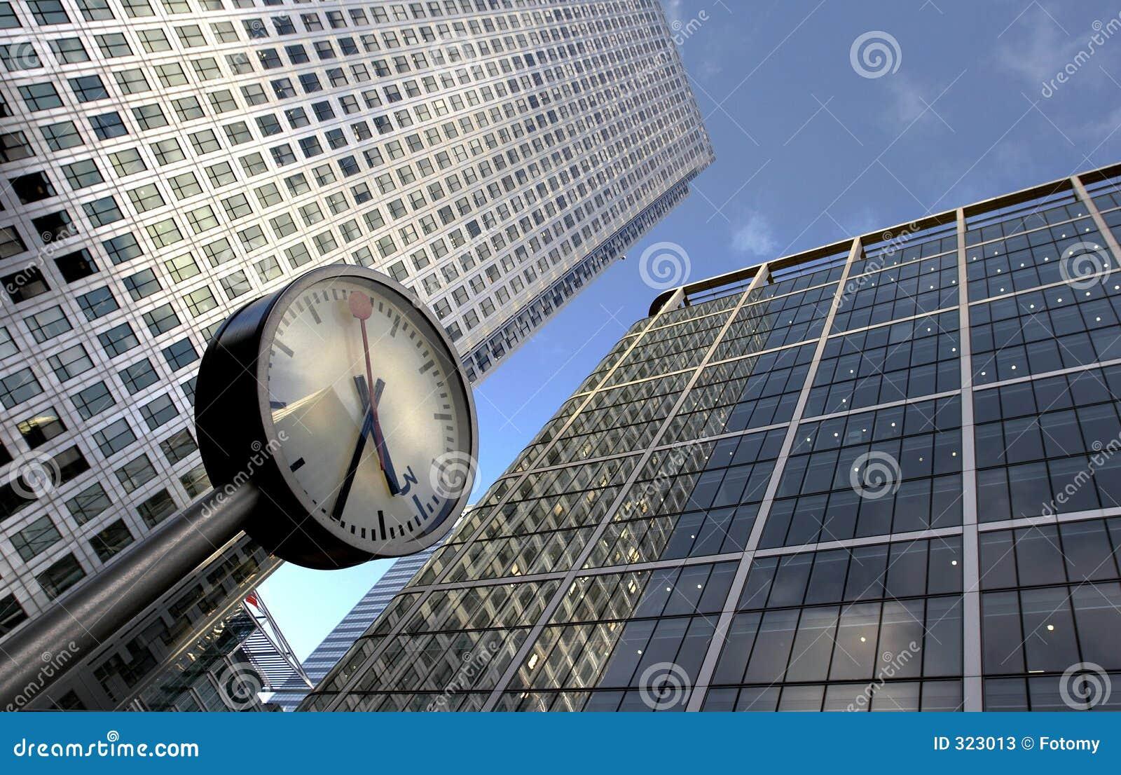 Immeubles d horloge et de bureaux