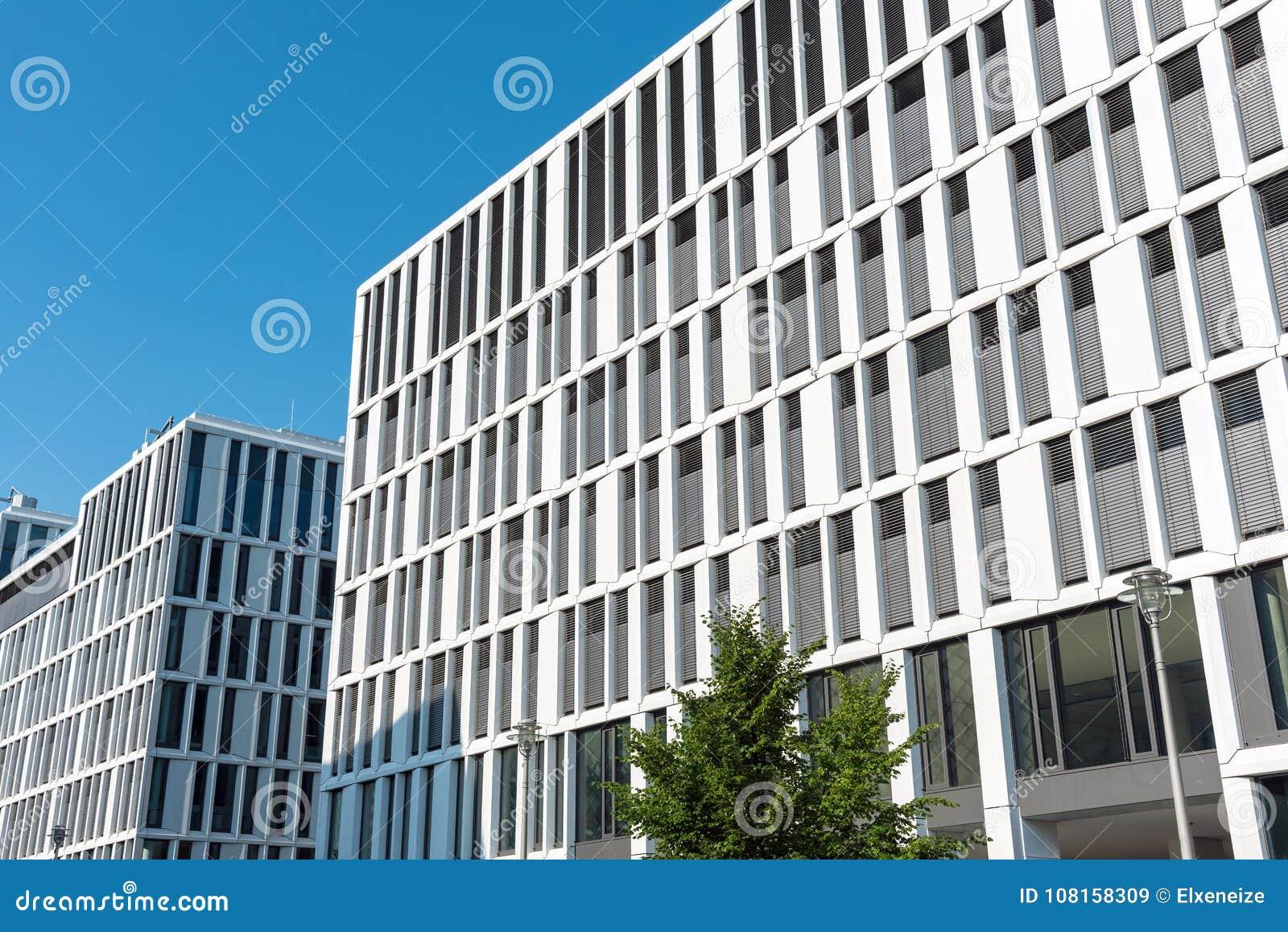 Immeubles de bureaux modernes à berlin image stock image du abat