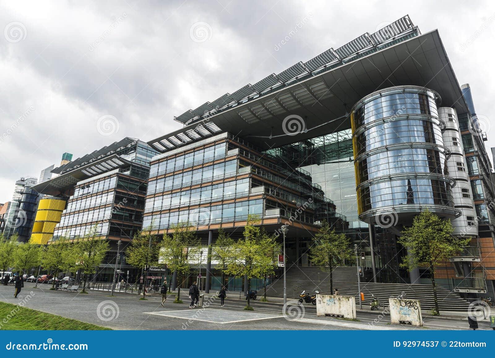 Immeubles et bureaux modernes à berlin allemagne photographie