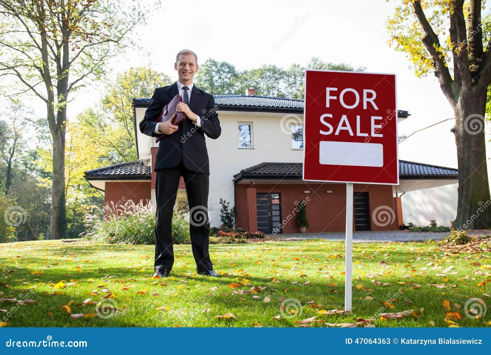 Immobilienagentur in der Arbeit