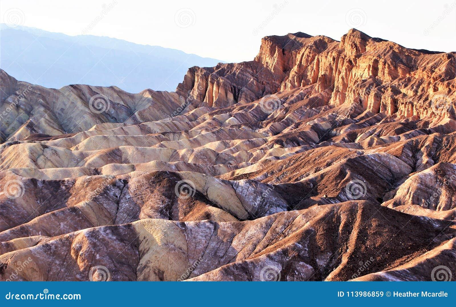Impassible Doodsvallei die bergen eroderen