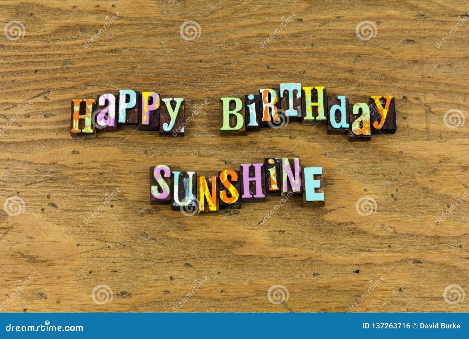 Impression typographique d émotion d amis de soleil de joyeux anniversaire