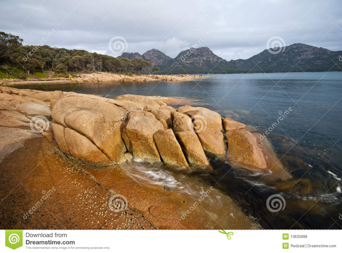 Impressive rocks and swirling seaweed tasmania royalty for Landscaping rocks tasmania