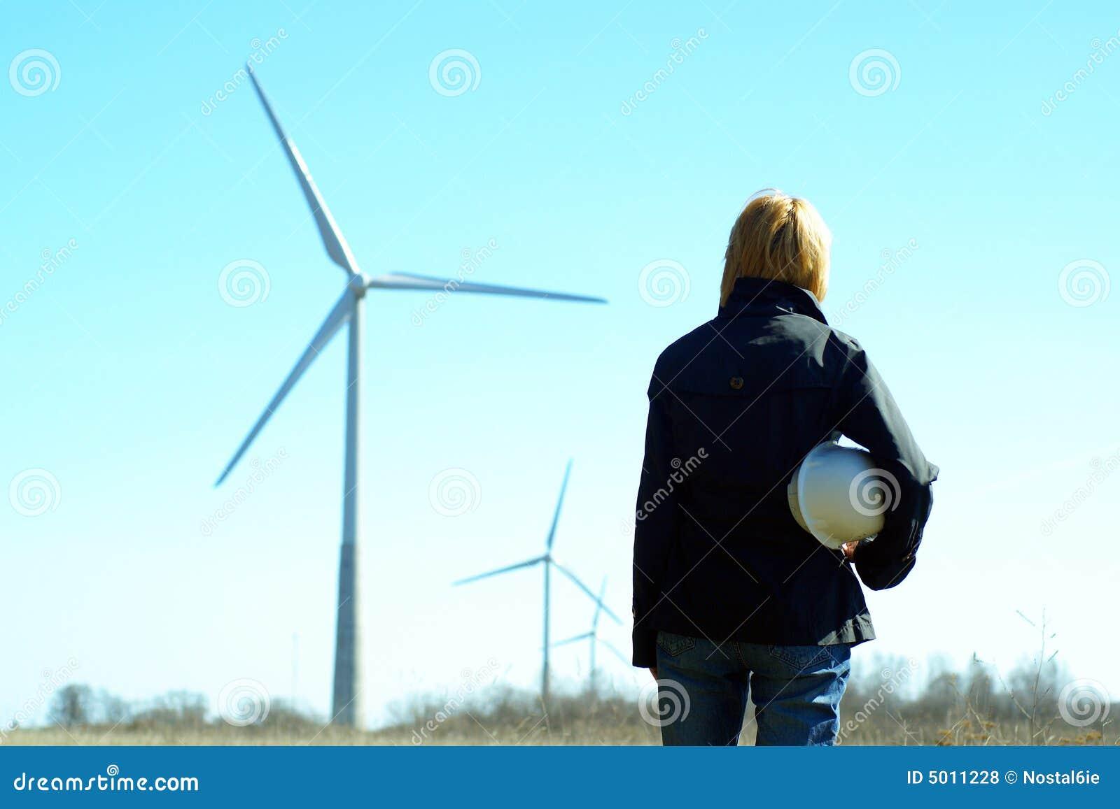 Inżynier turbiny wiatru kobieta