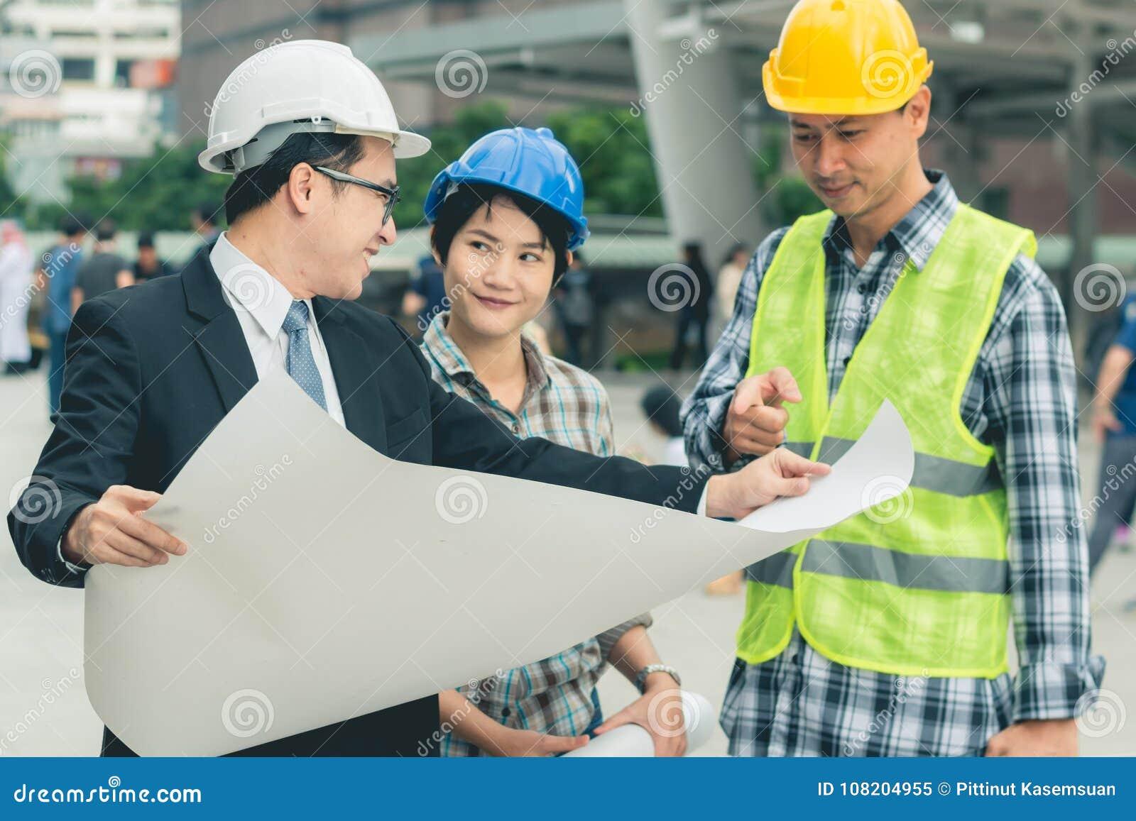 Inżynierii budowy pracy zespołowej pojęcie: fachowy enginee