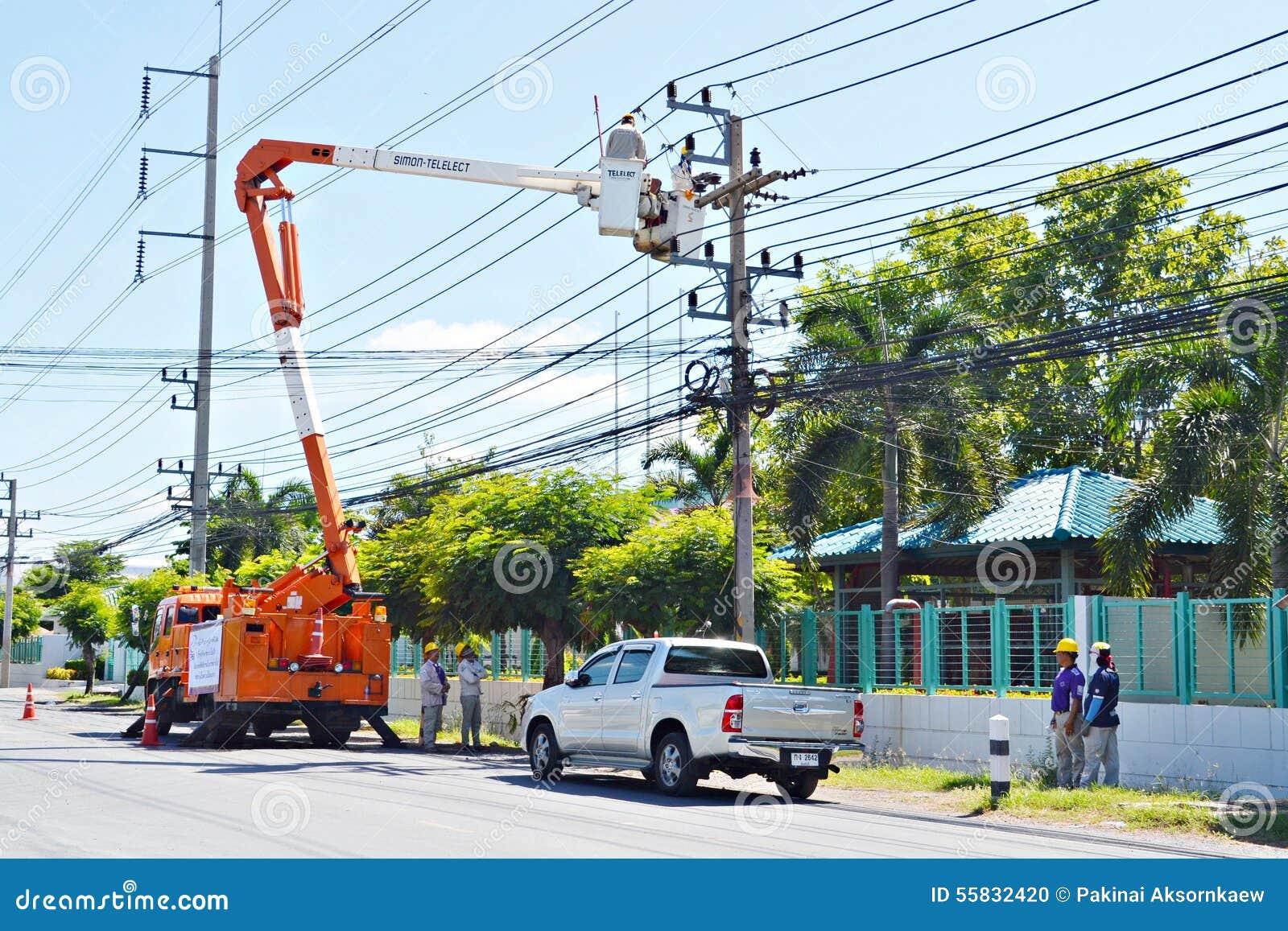 Inżyniery elektryczność w Thailand dźwignięciach up to załatwiają elektryczność