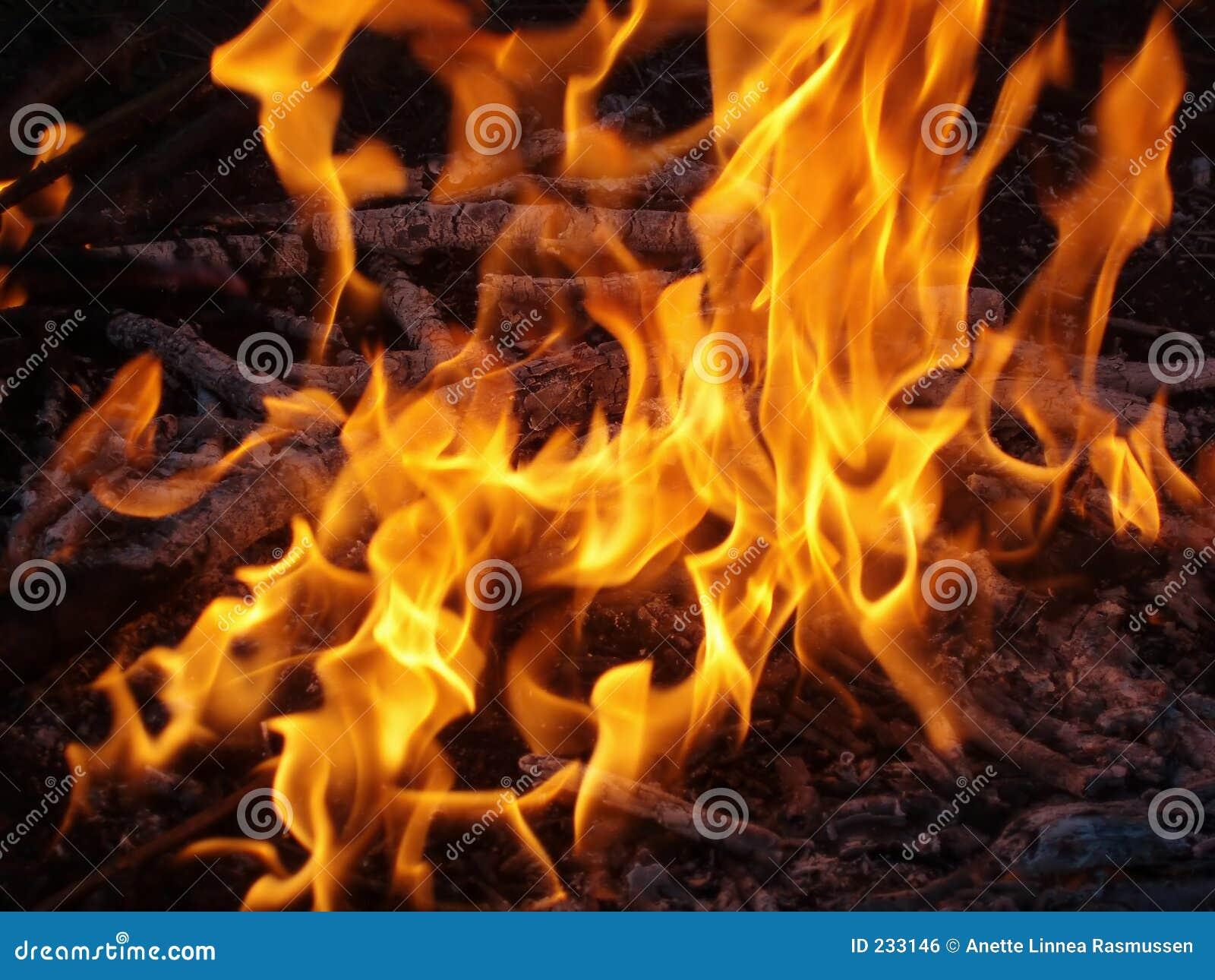 Incêndio e flamas