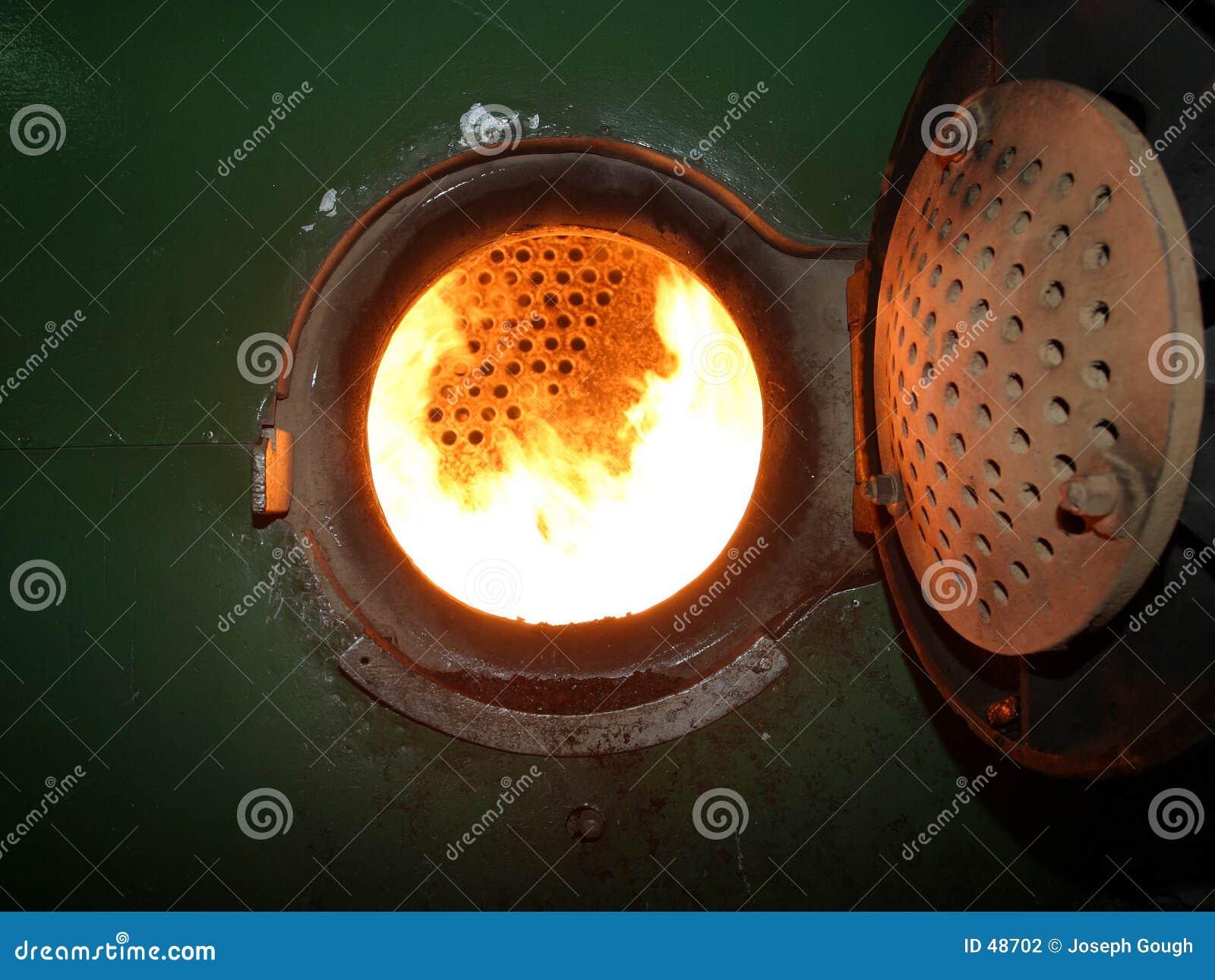 Incêndio industrial da fornalha da caldeira
