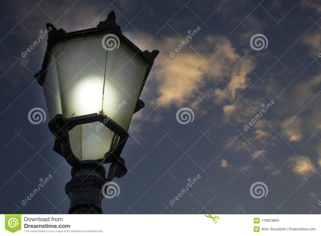 With Glass Bulb Properly Covered In Glowing An Incandescent mN8vwn0