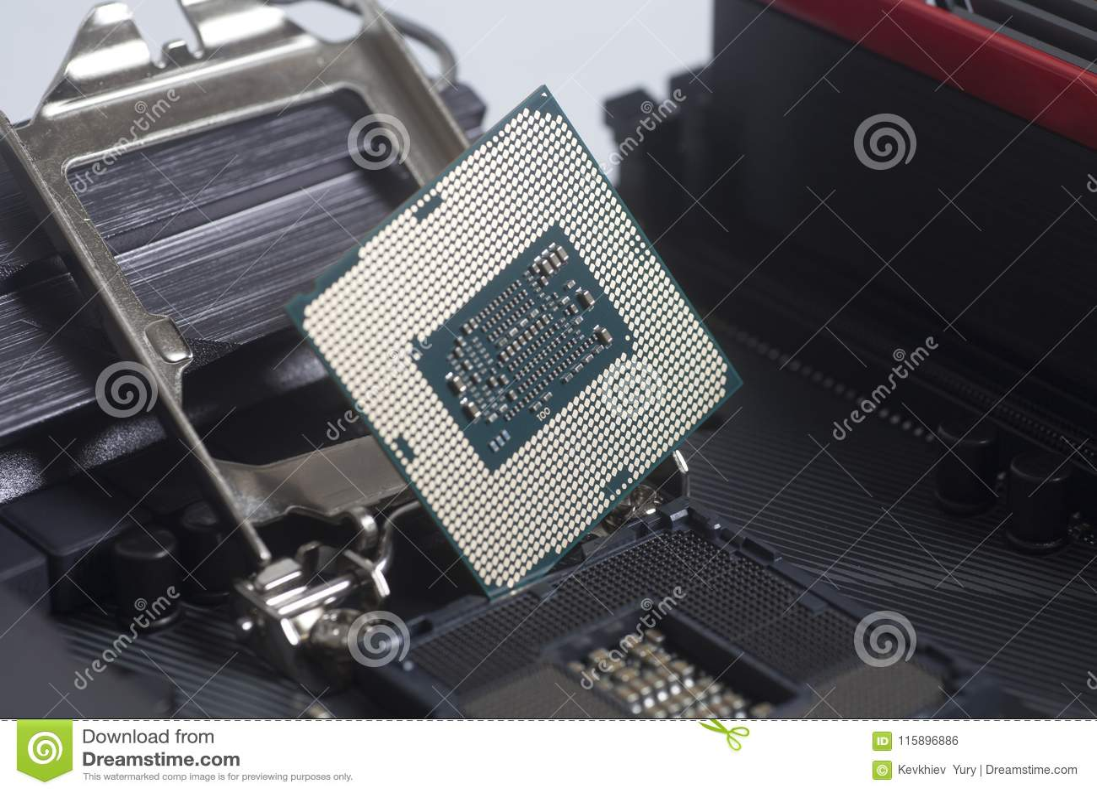Incavo 1151 del CPU di Intel LGA sul PC del computer della scheda madre con l unità di elaborazione del CPU