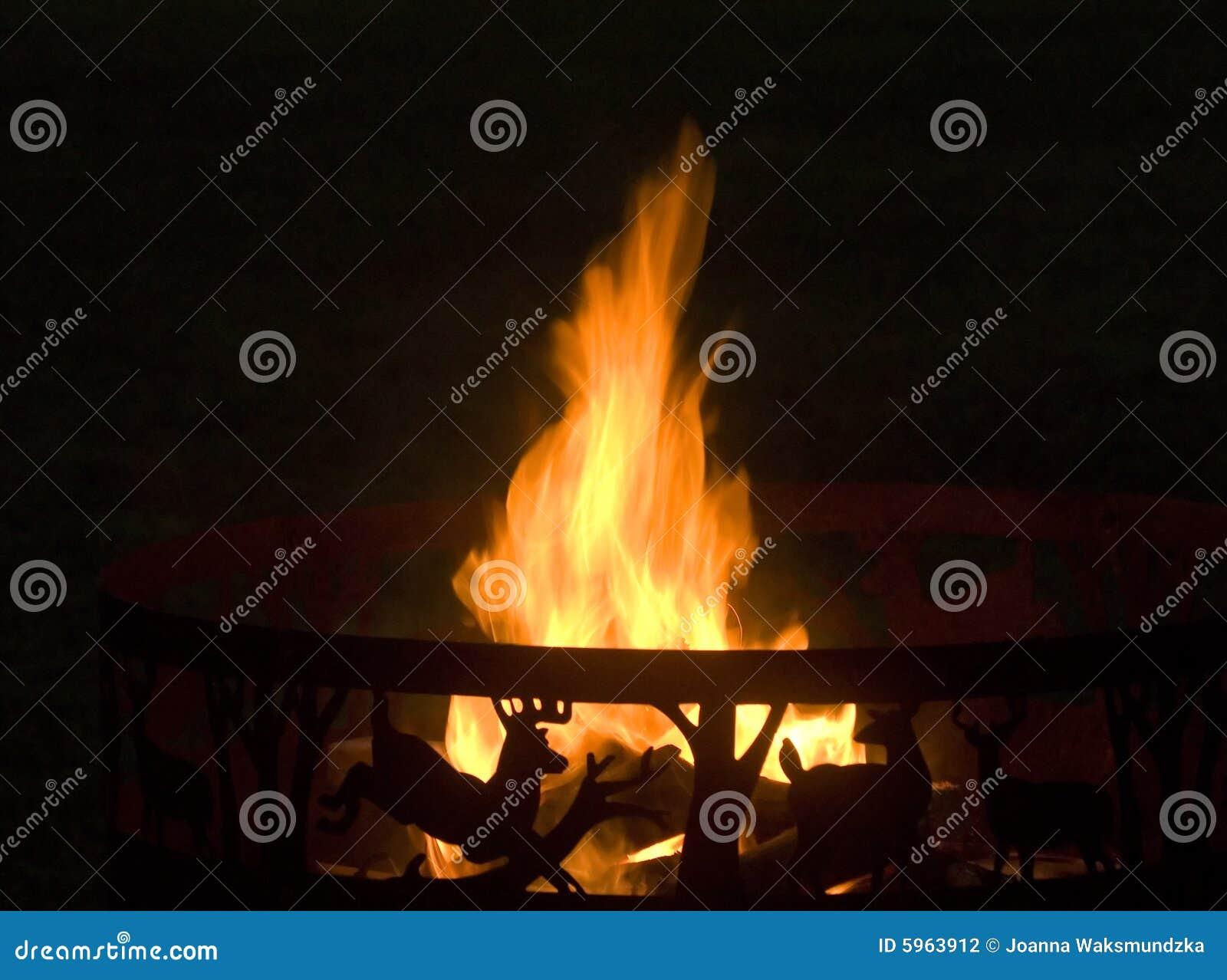 Incendie de camp