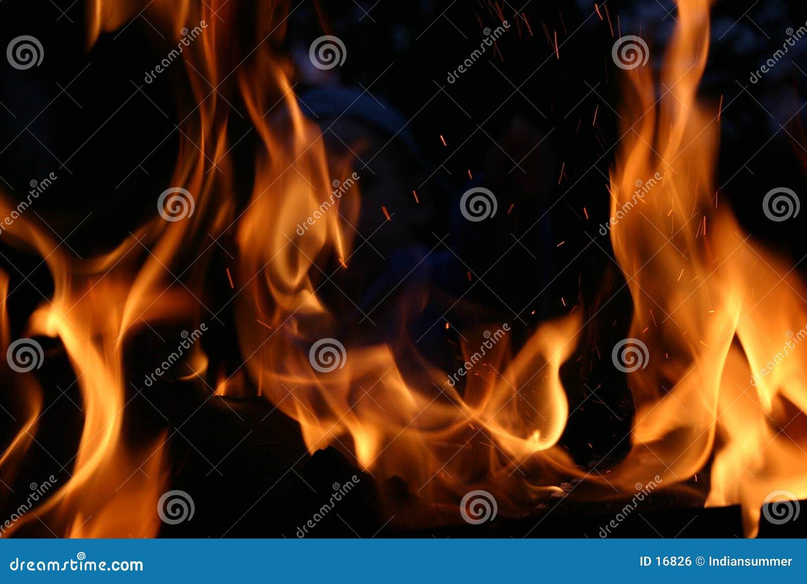 Incendie la nuit