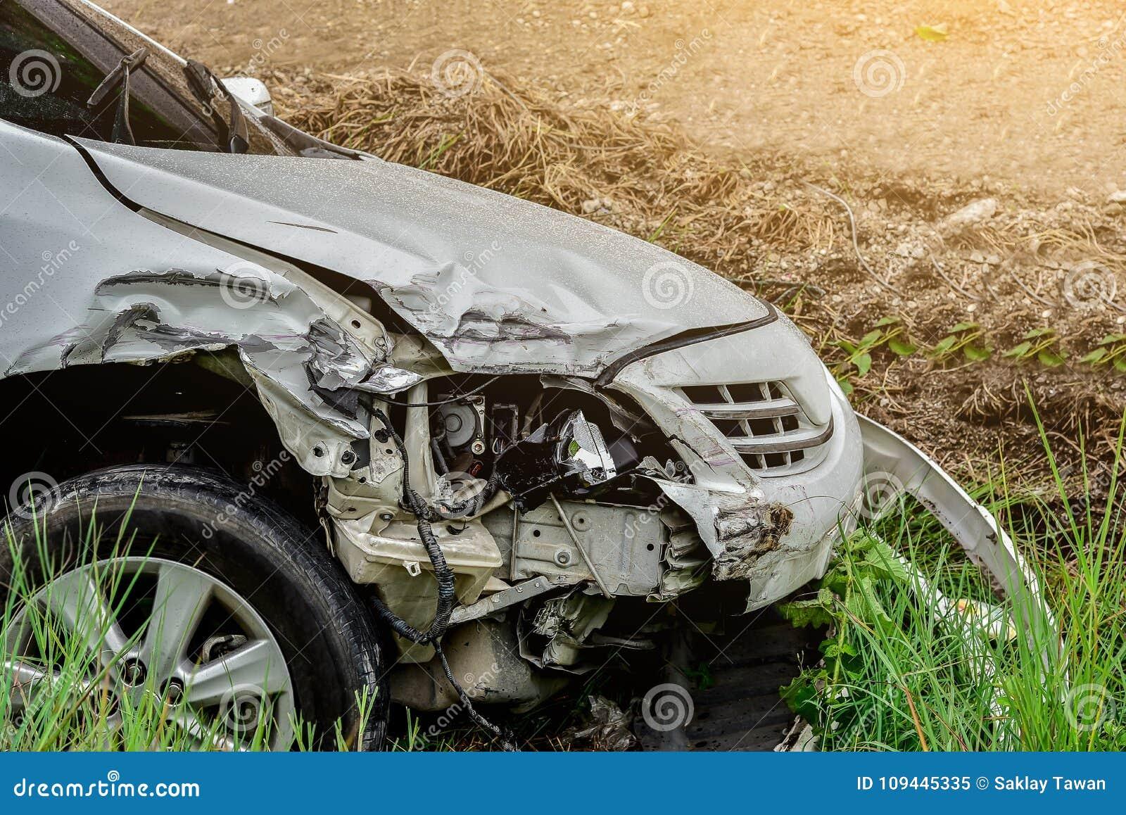 Incidente stradale dalla strada