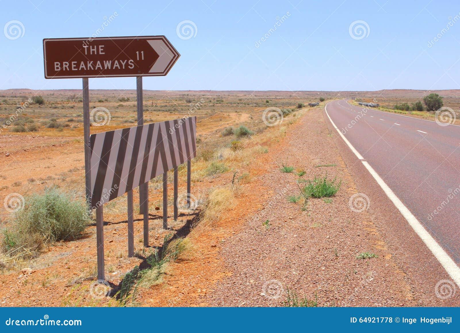 Incrocio di strada e segnale stradale ai Breakaways, Australia Meridionale