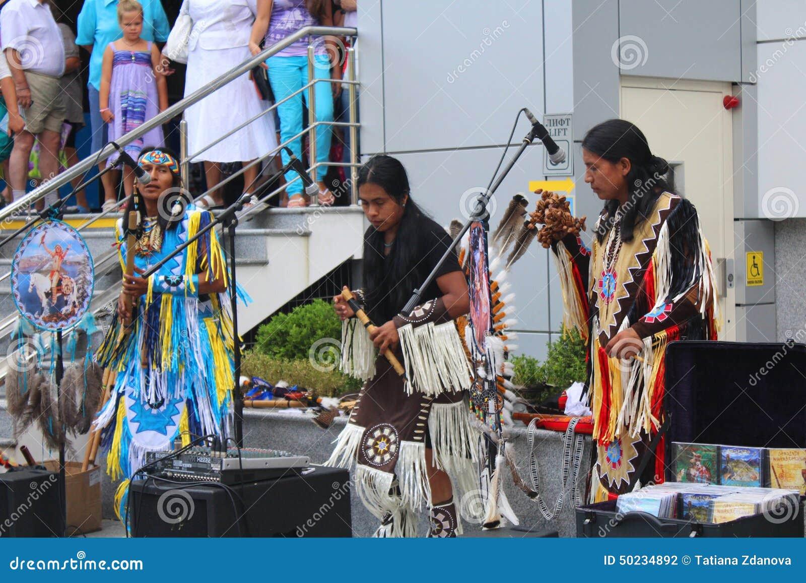 Indeci, représentation de rue, danse, chantant, secteur, étudiants