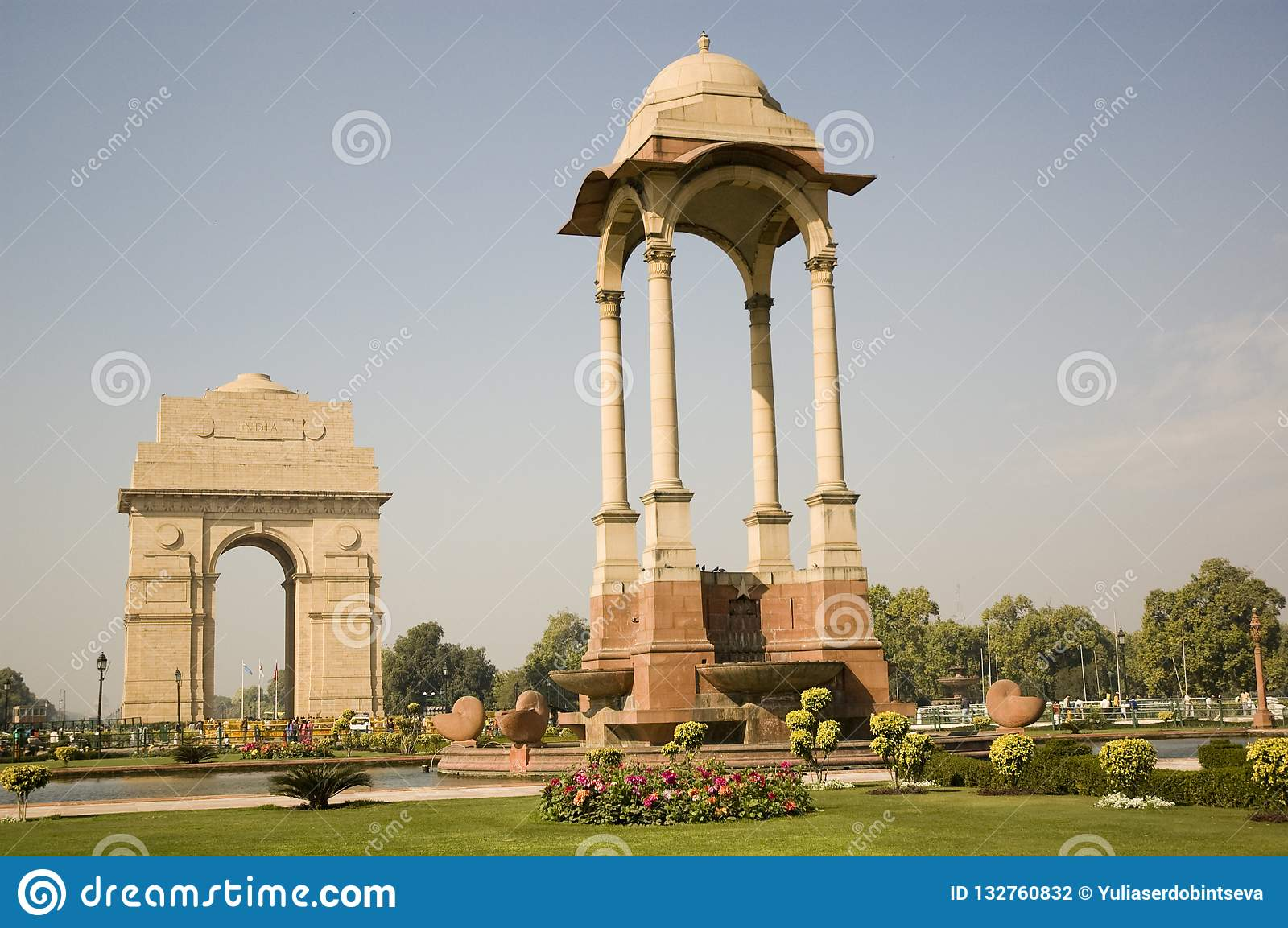 India gate at early morning, new delhi, india.