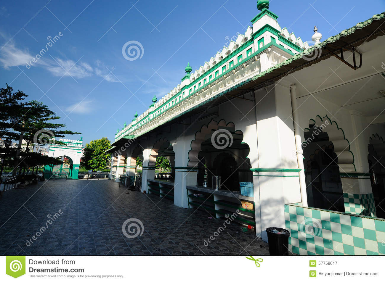 ipoh muslim It is located just opposite the ipoh padang it is the indian muslim mosque and it was built sometime in the 1900 it is very well maintained and clean it has a.