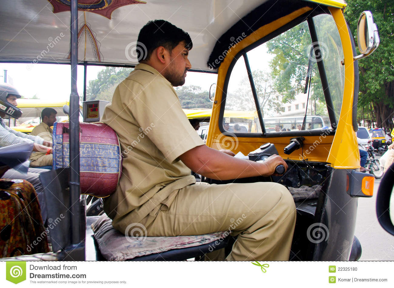 Street Dreams Auto >> Indian Auto Rickshaw Driver Editorial Image - Image of three, taxis: 22325180