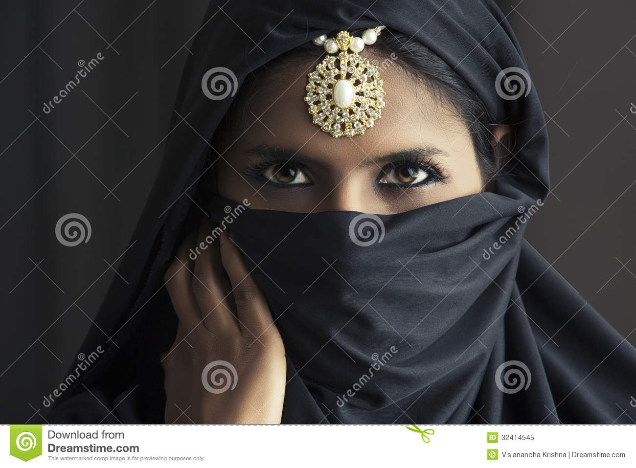 royalty single muslim girls Muslim girl royalty royalty free stock photos, vectors and illustrations sign up login see pricing & plans muslim girl stock vectors, clipart and illustrations.