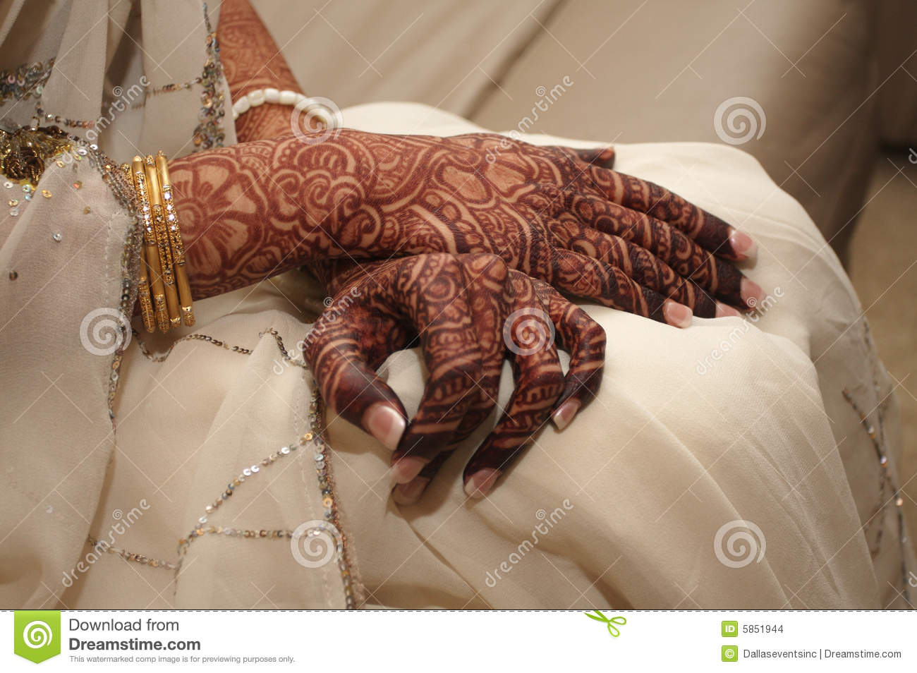Mehndi Hands Of Bride : Indian bride s hands covered in henna stock photo image