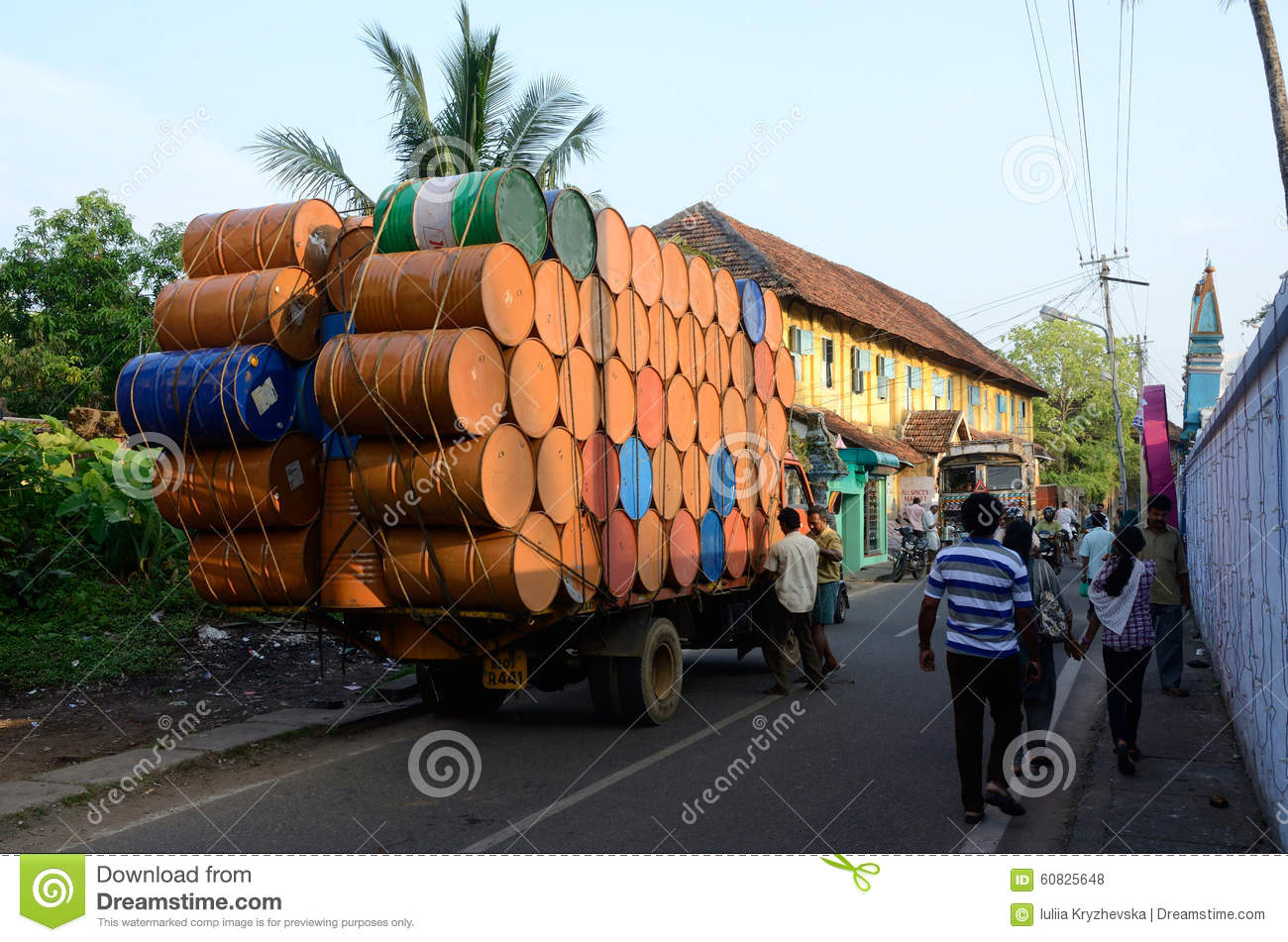 indian truck stock photos images u0026 pictures 920 images