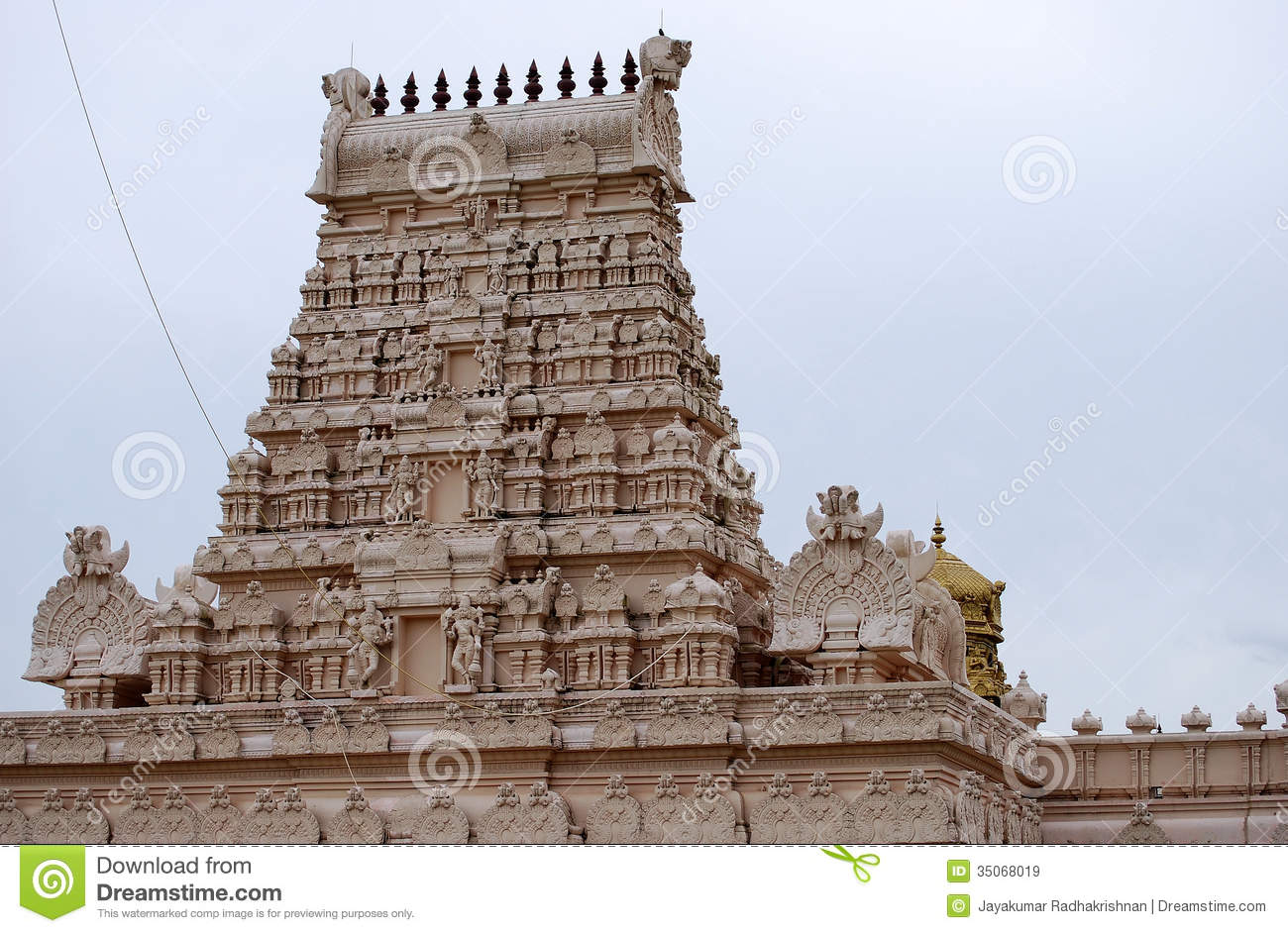 hinduism architecture Hinduism architecture hinduism is a predominant religion of the indian subcontinent it begins simply by differentiating between matter and spirit and the theology of the religion is based upon three main truths, god, matter and soul (richard blurton, 1992.