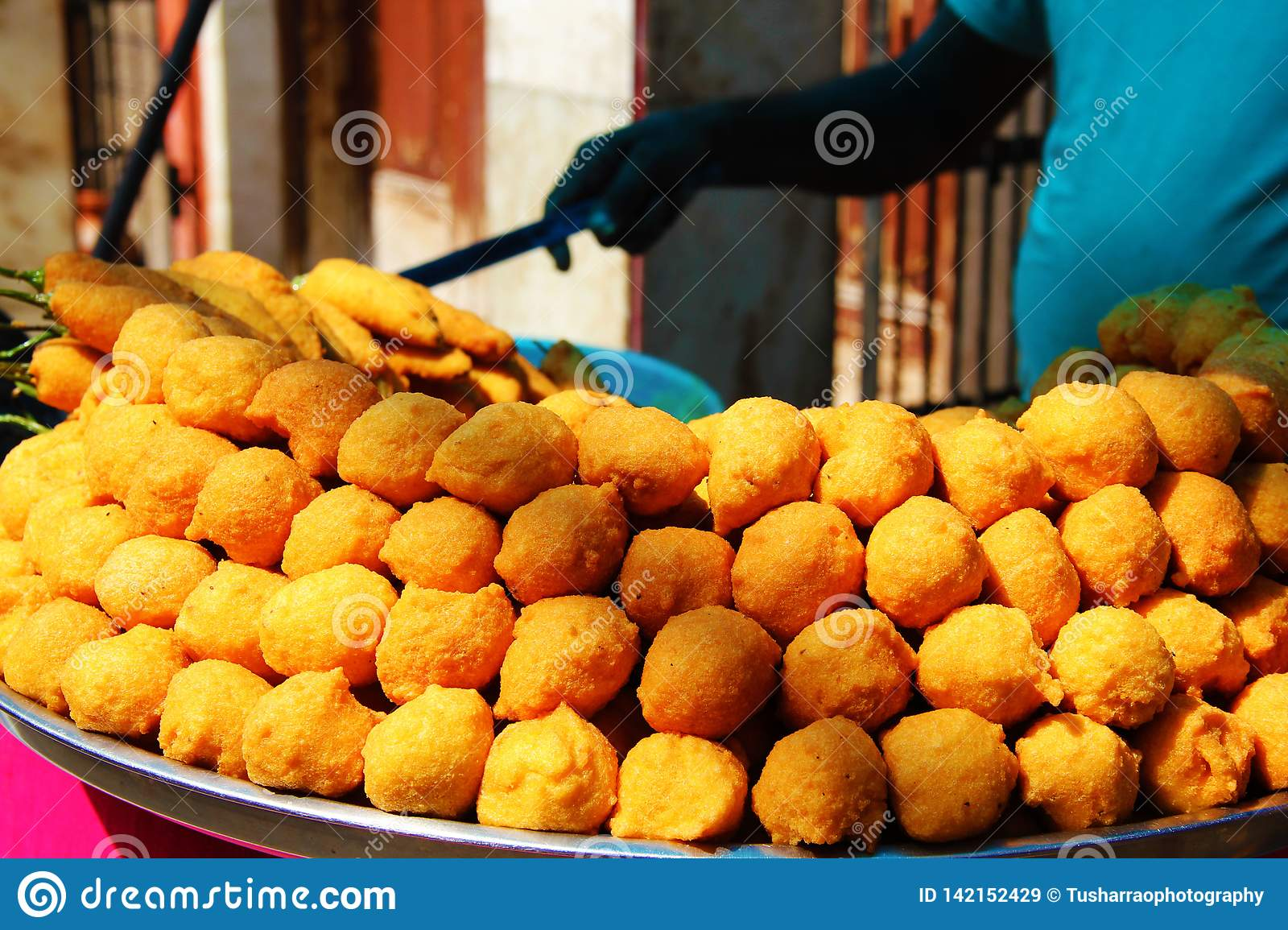 Man Sell Street Food Pakoda