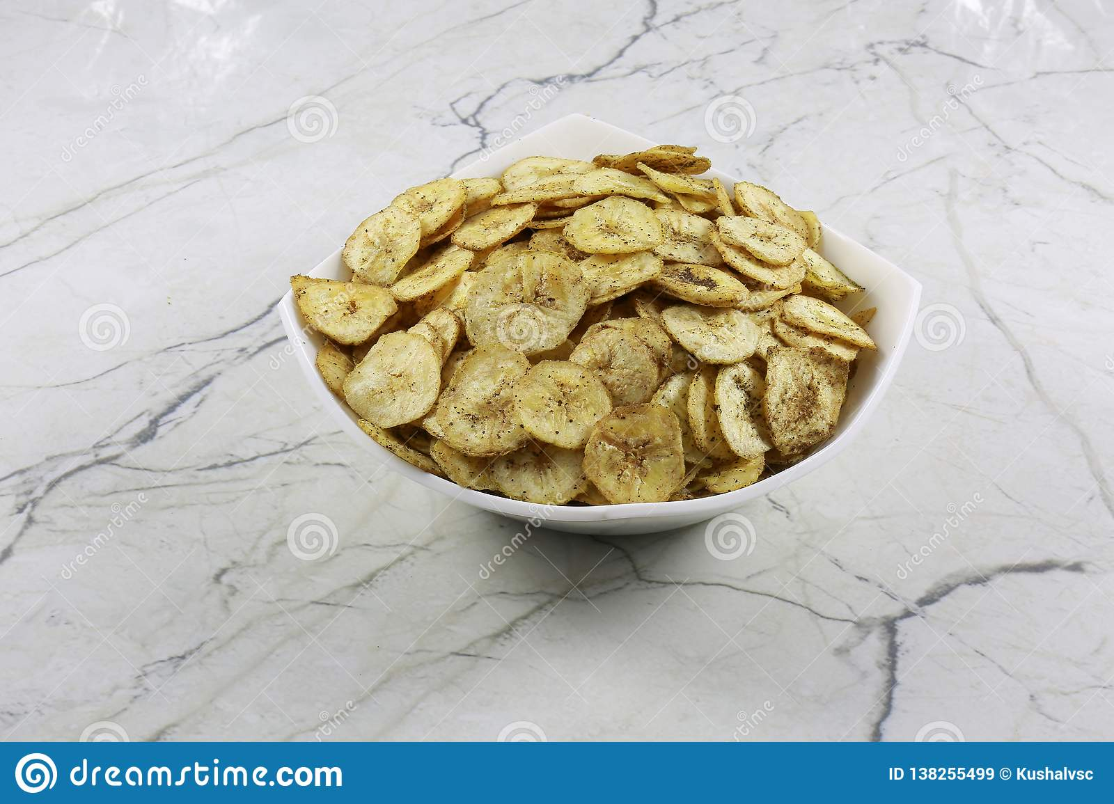 INDIAN NAMKEEN BANANA CHIPS SALTY